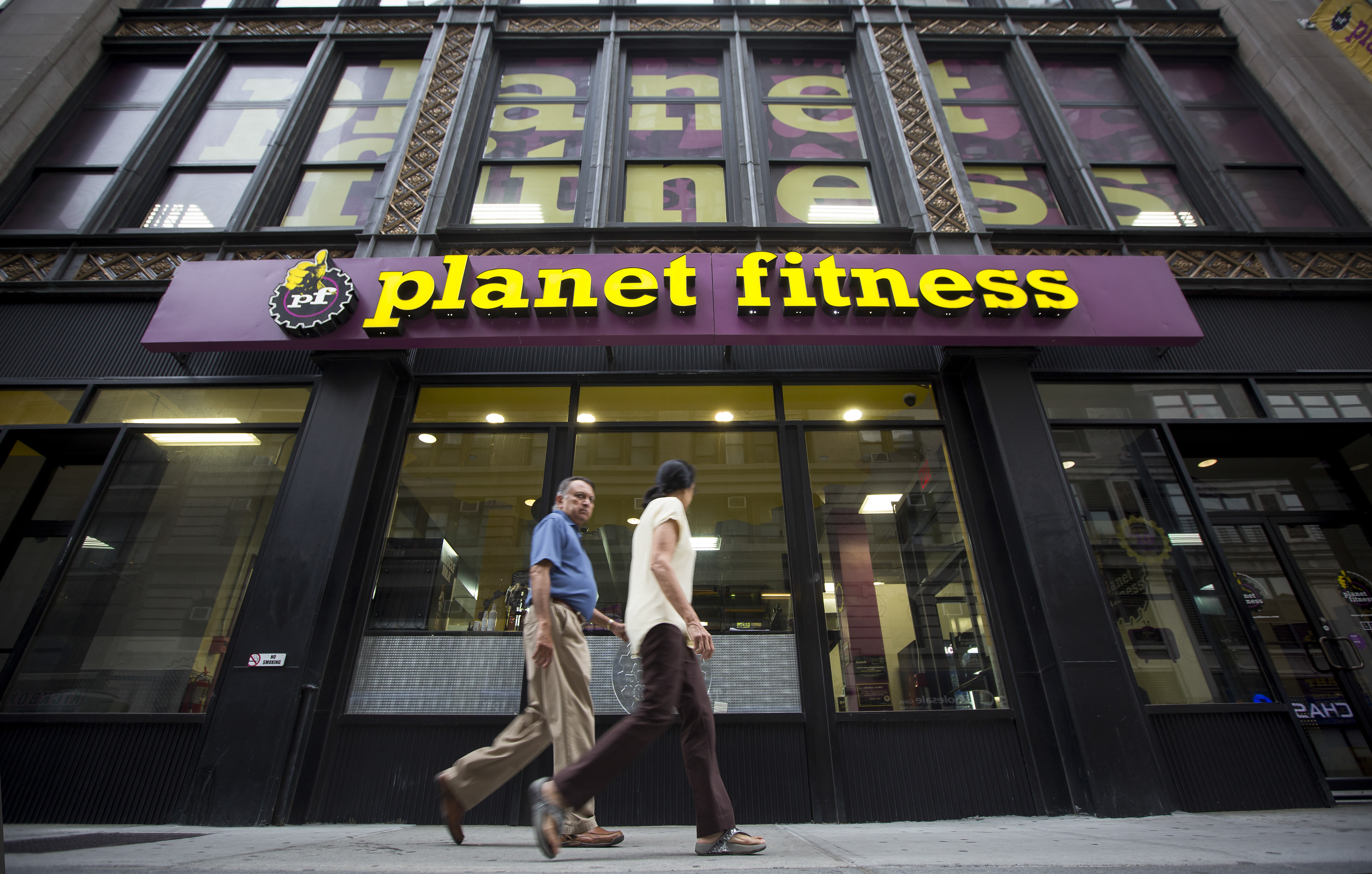 Planet Fitness Inc. Locations Ahead Of Earns