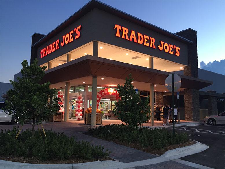 Florida Trader Joe's store at night
