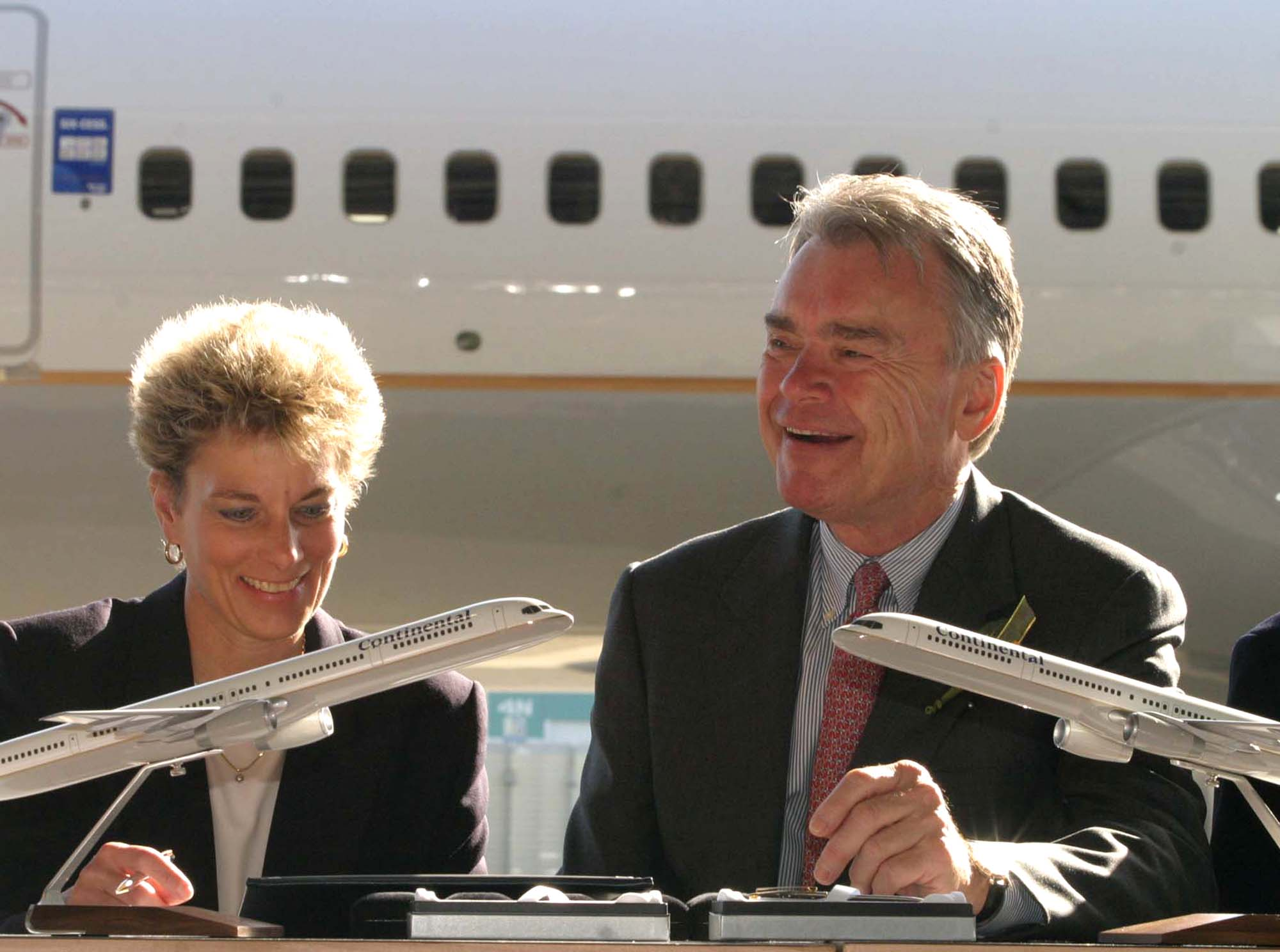Gordon Bethune, right, CEO, Continental Airlines , joins Car
