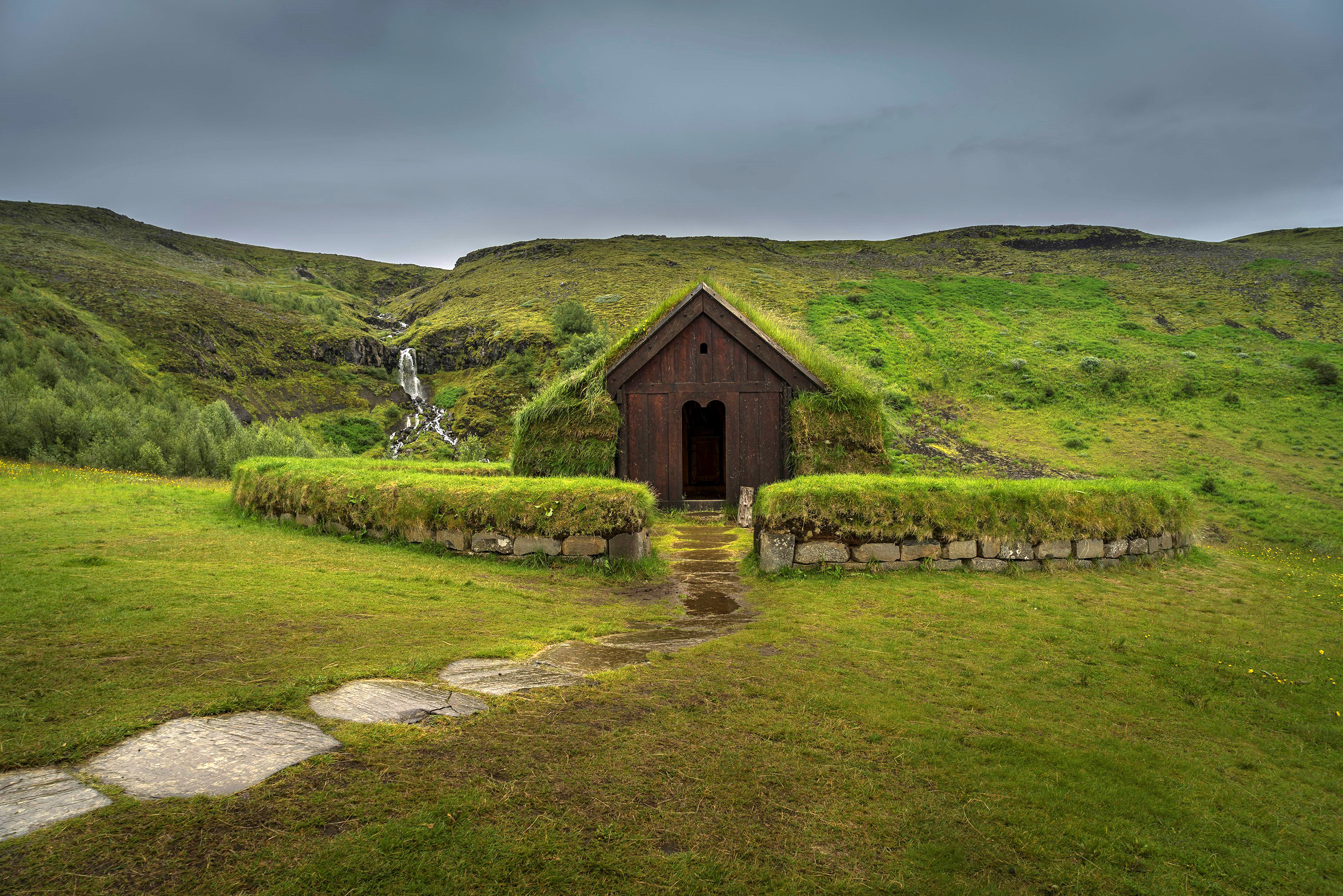 """A location in Iceland where HBO's """"Game of Thrones"""" is filmed, that can be visited as part of a tourist package from Gray Line Iceland."""