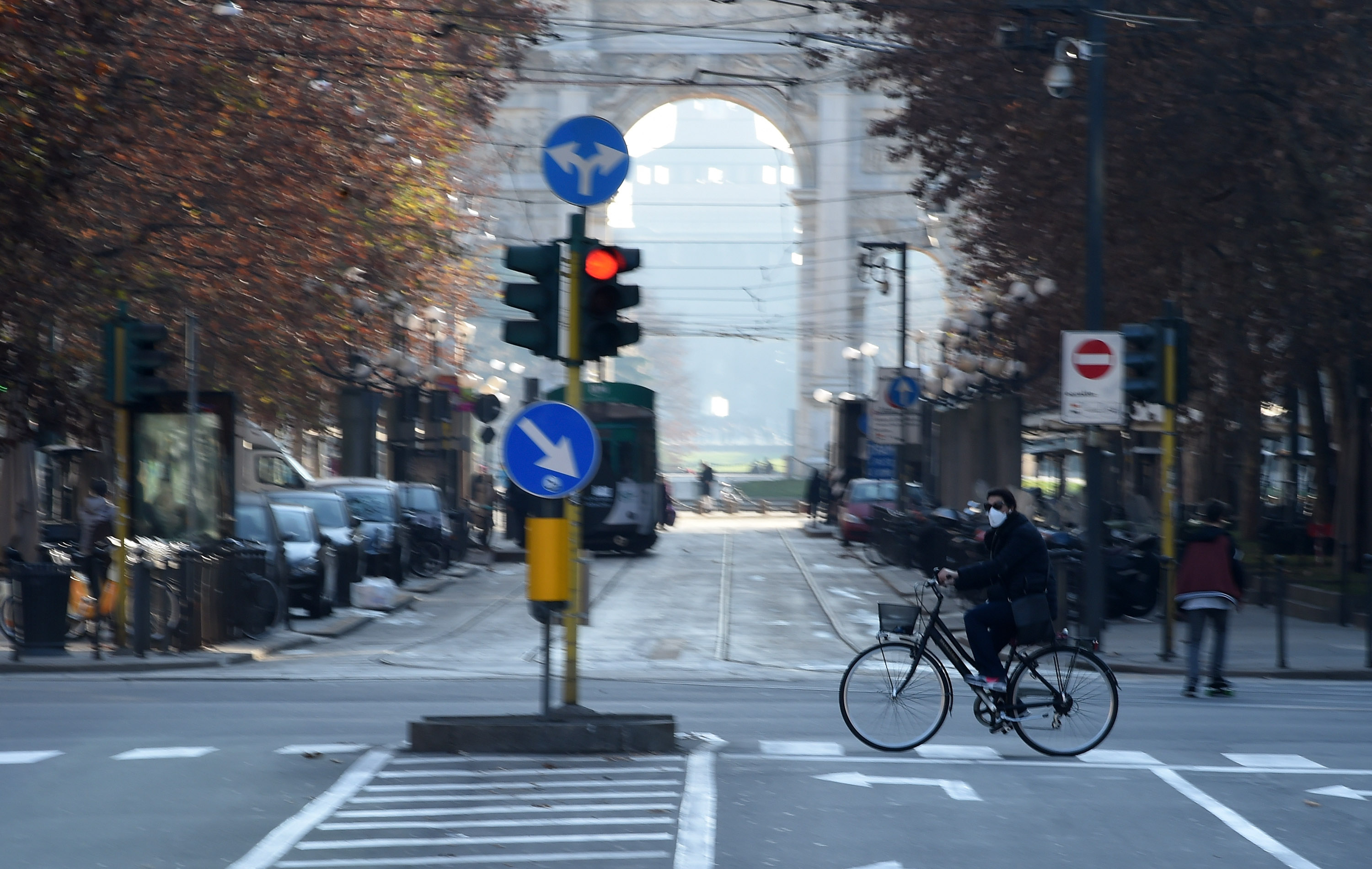 Milan Ban Cars As Pollution Levels Grow