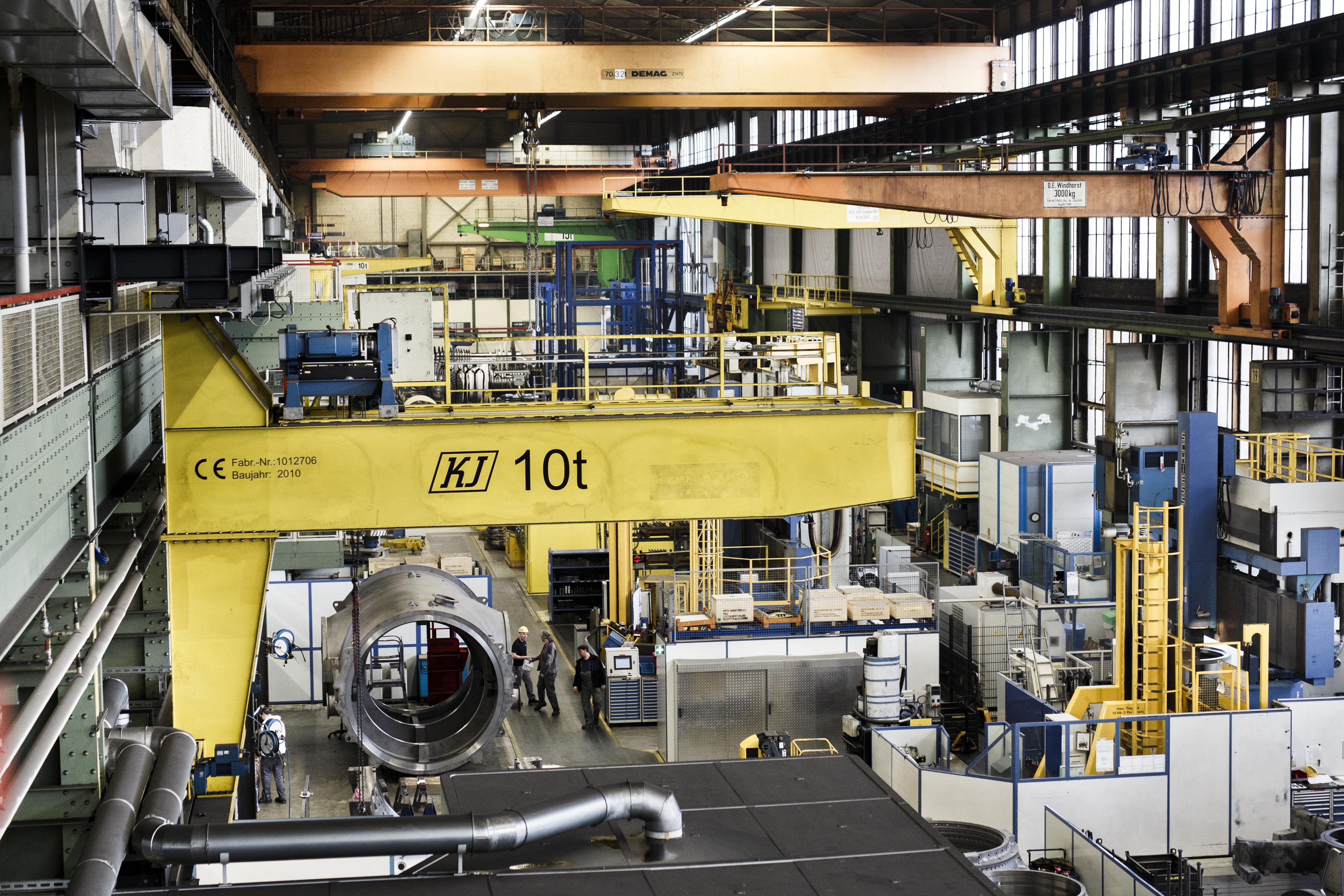 Sigmar Gabriel Visits Siemens Gas Turbine Factory