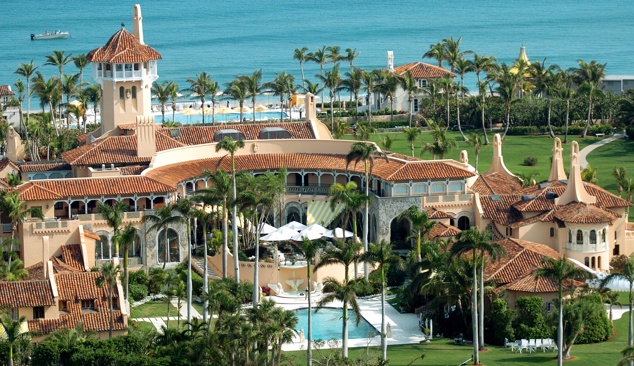 https://content.fortune.com/wp-content/uploads/2016/03/mar-a-lago-club_1.jpg?quality=80