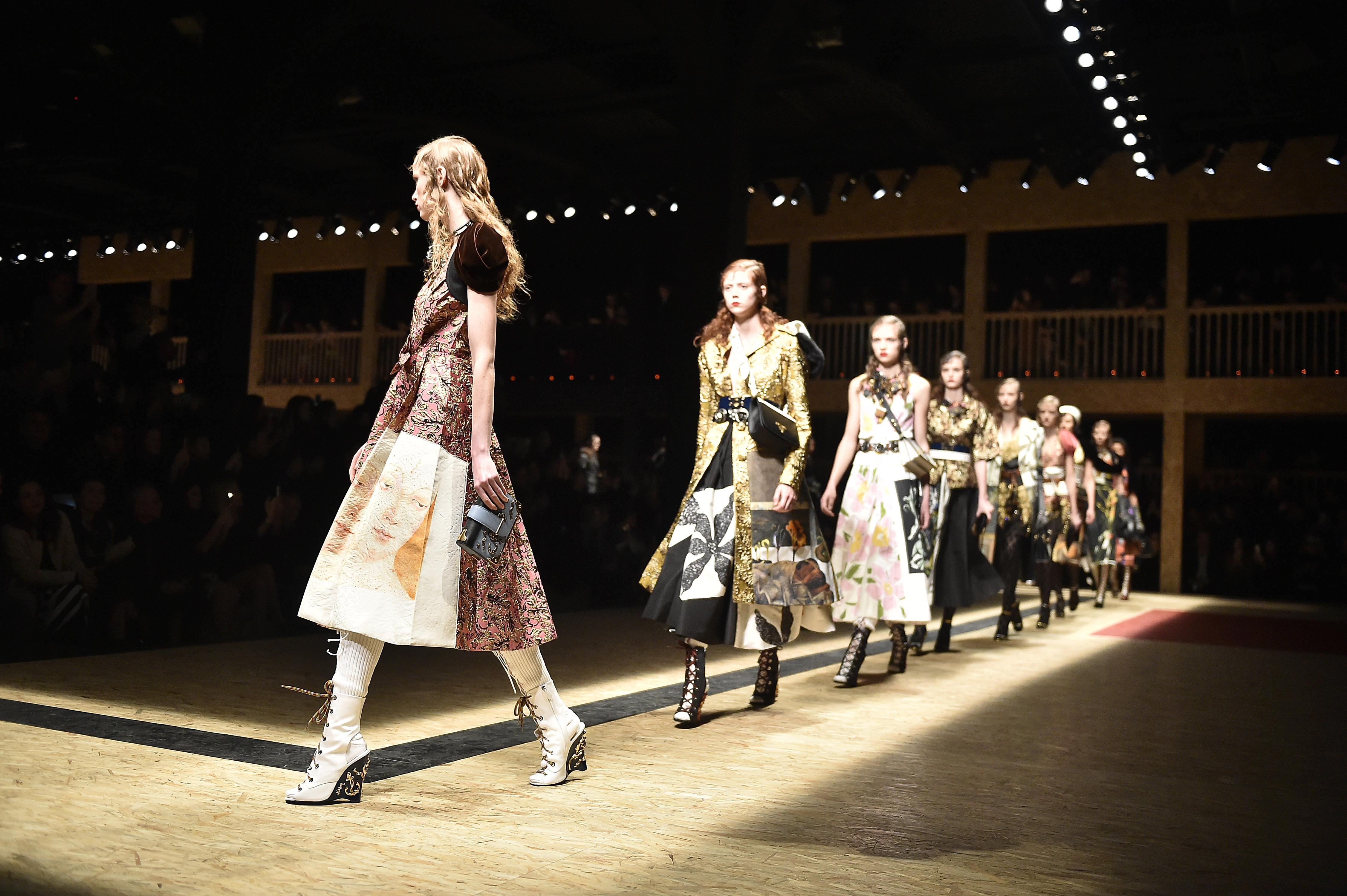 Prada - Runway RTW - Fall 2016 - Milan Fashion Week