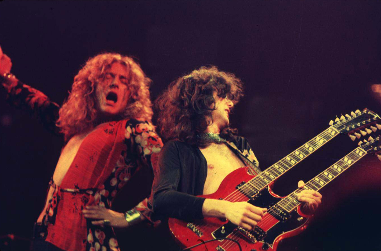 Led Zeppelin in Concert at Chicago Stadium - 1-20-1975