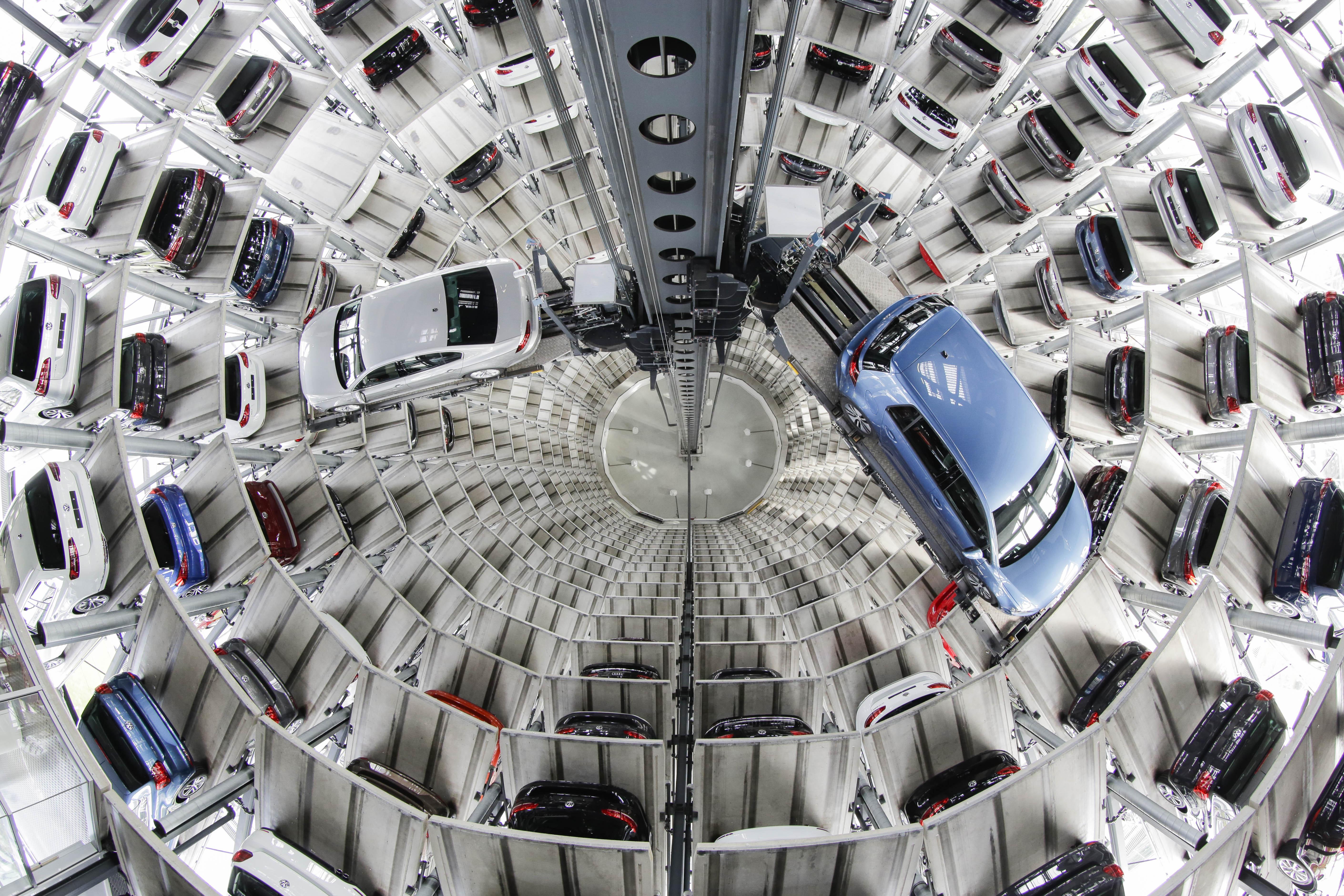 APTOPIX Germany Volkswagen Earns