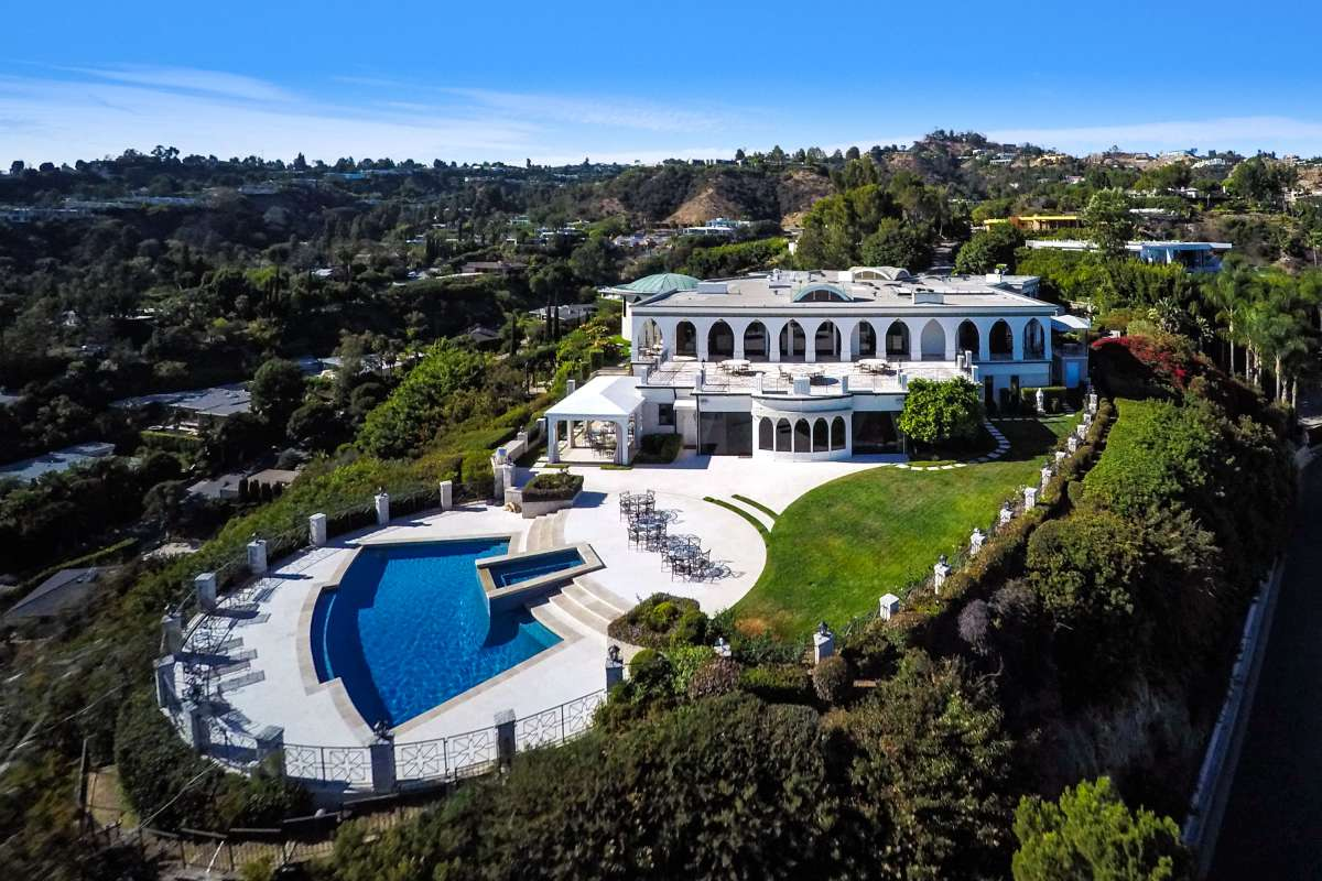 Aaron Kirman is selling the old Danny Thomas estate, if you have a spare $135 million.