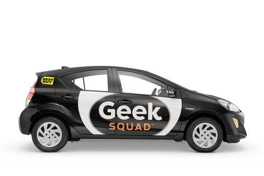 Best Buy's computer support task force Geek Squad will now use the Toyota Prius c.