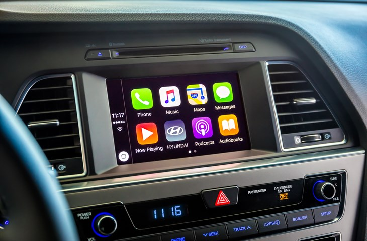 Hyundai Has a DIY Guide to Help Drivers Add Android Auto and CarPlay
