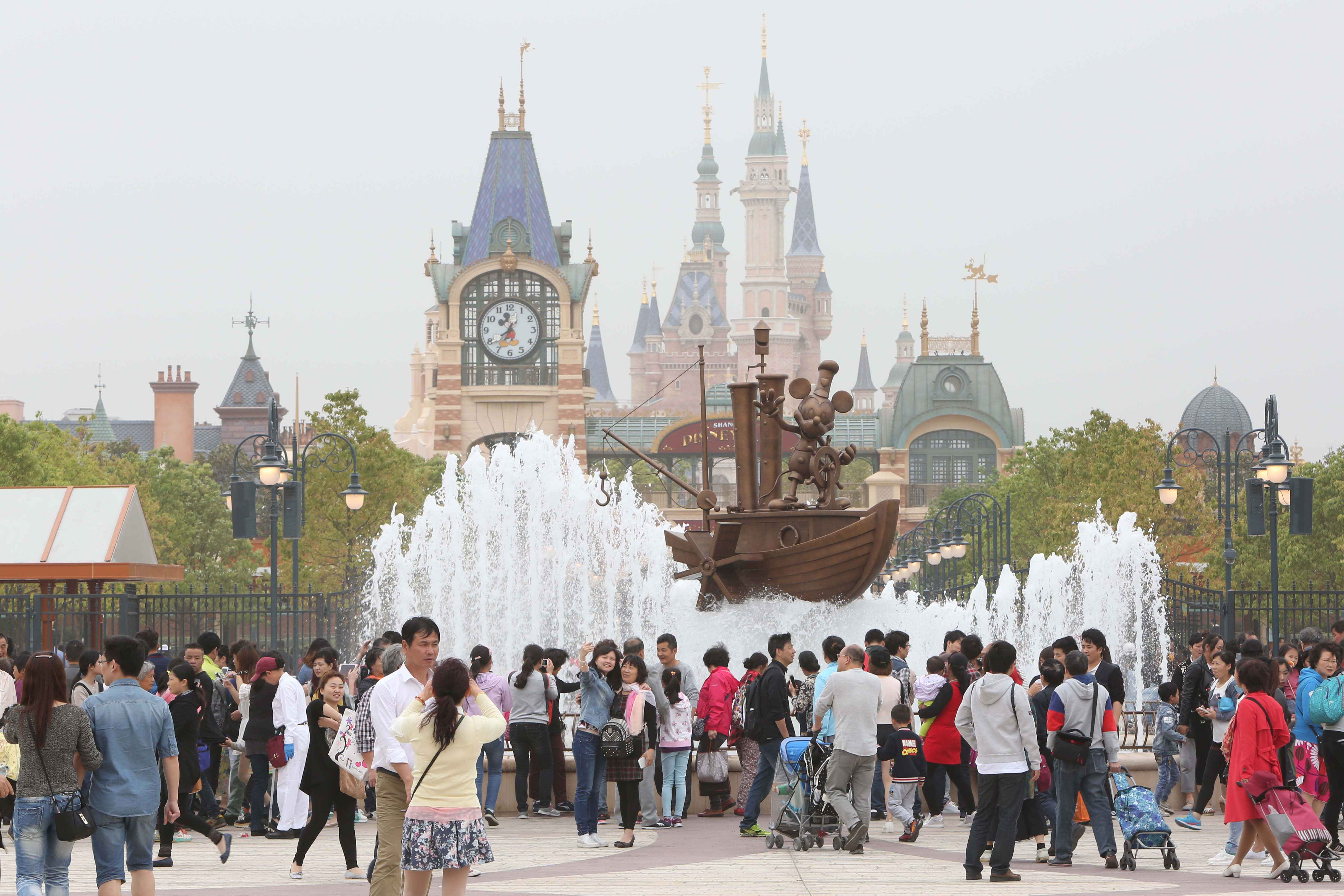 Shanghai Disneyland Resort Begins Trail Operation
