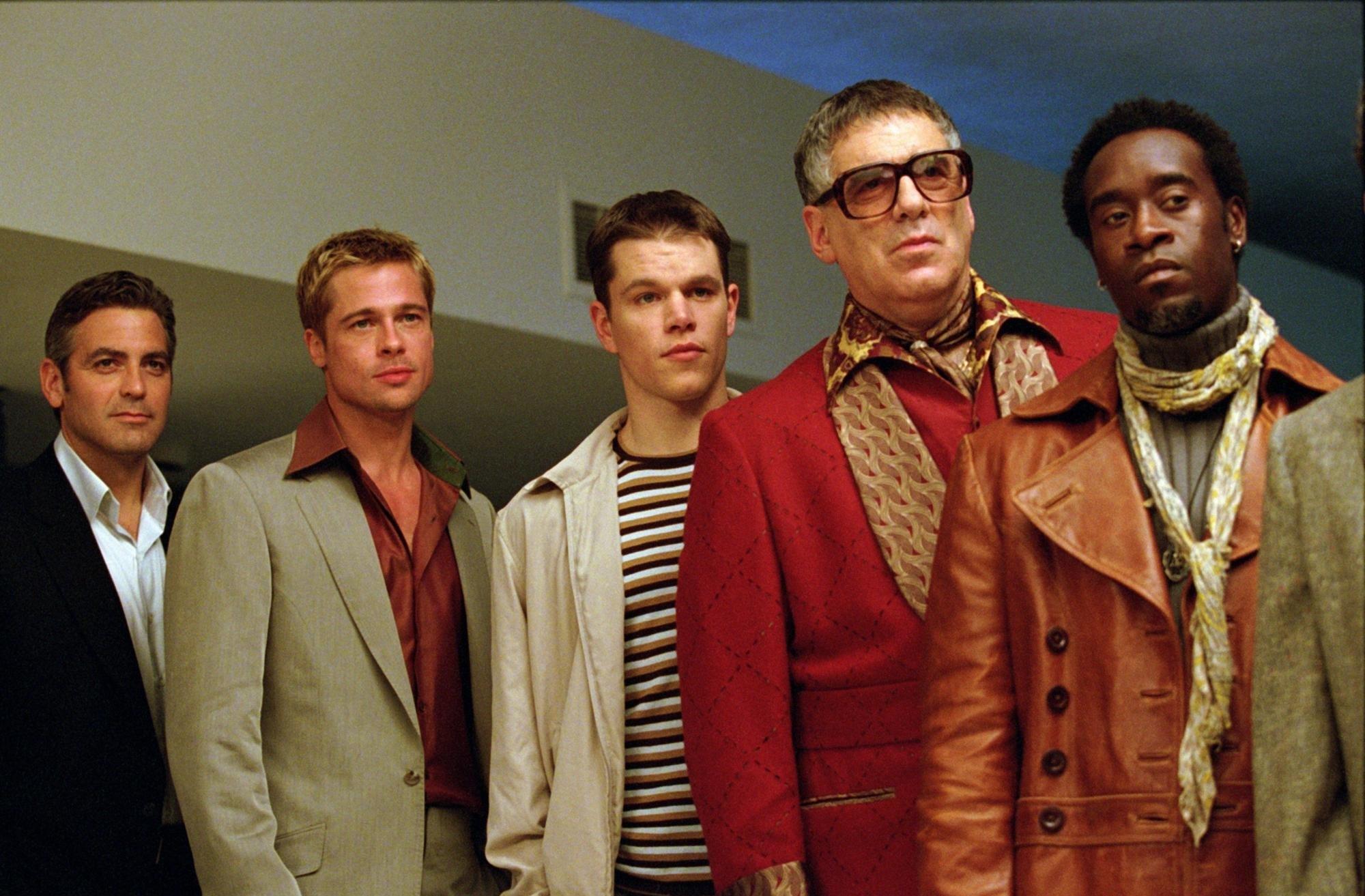 Brad Pitt, George Clooney, Don Cheadle, Matt Damon, and Elliott Gould in Ocean's Eleven (2001)