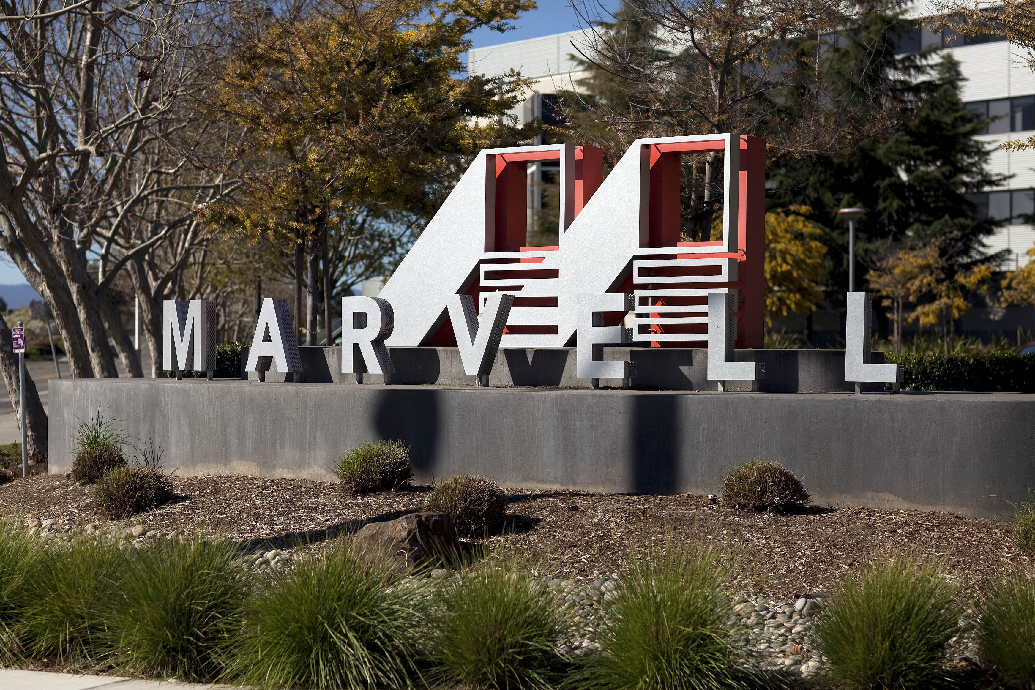 "Marvell CEO Says Tablets Are Threat To ""Monster"" PCs"