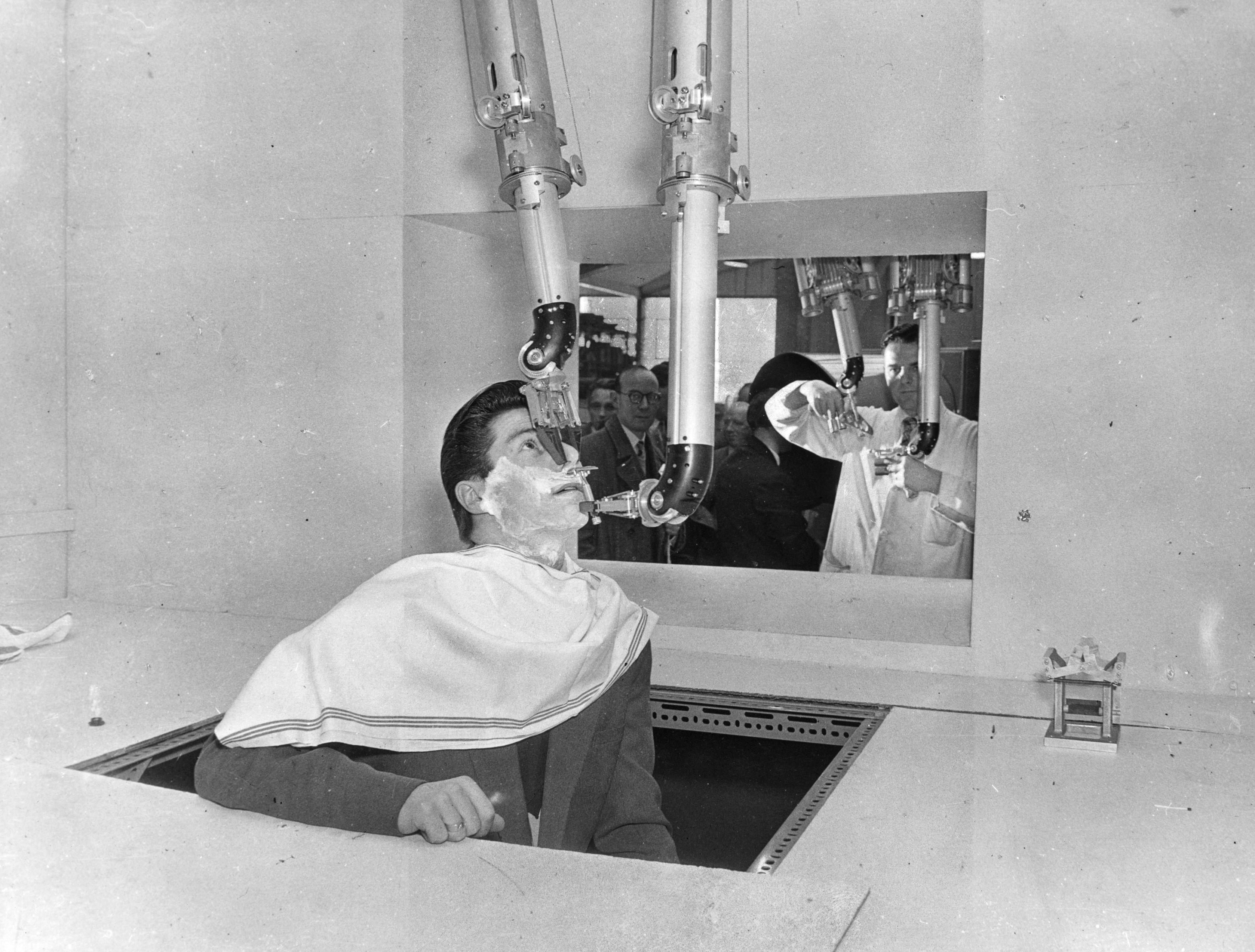 1950s Robotic Shaver