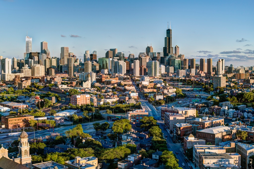 USA, Illinois, Chicago, View of city in sunlight