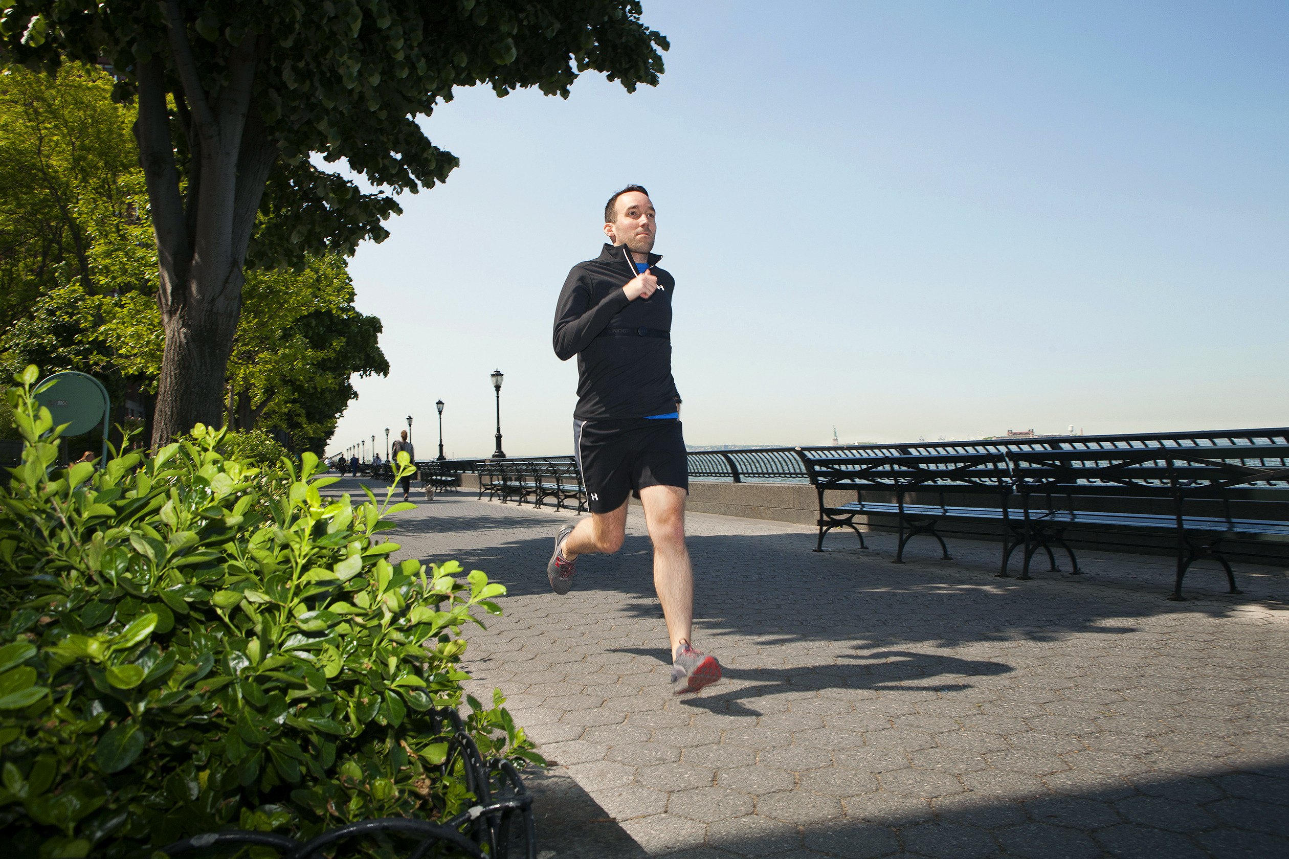 The author increased his weekly run from 15 to 25 miles while using the gear.