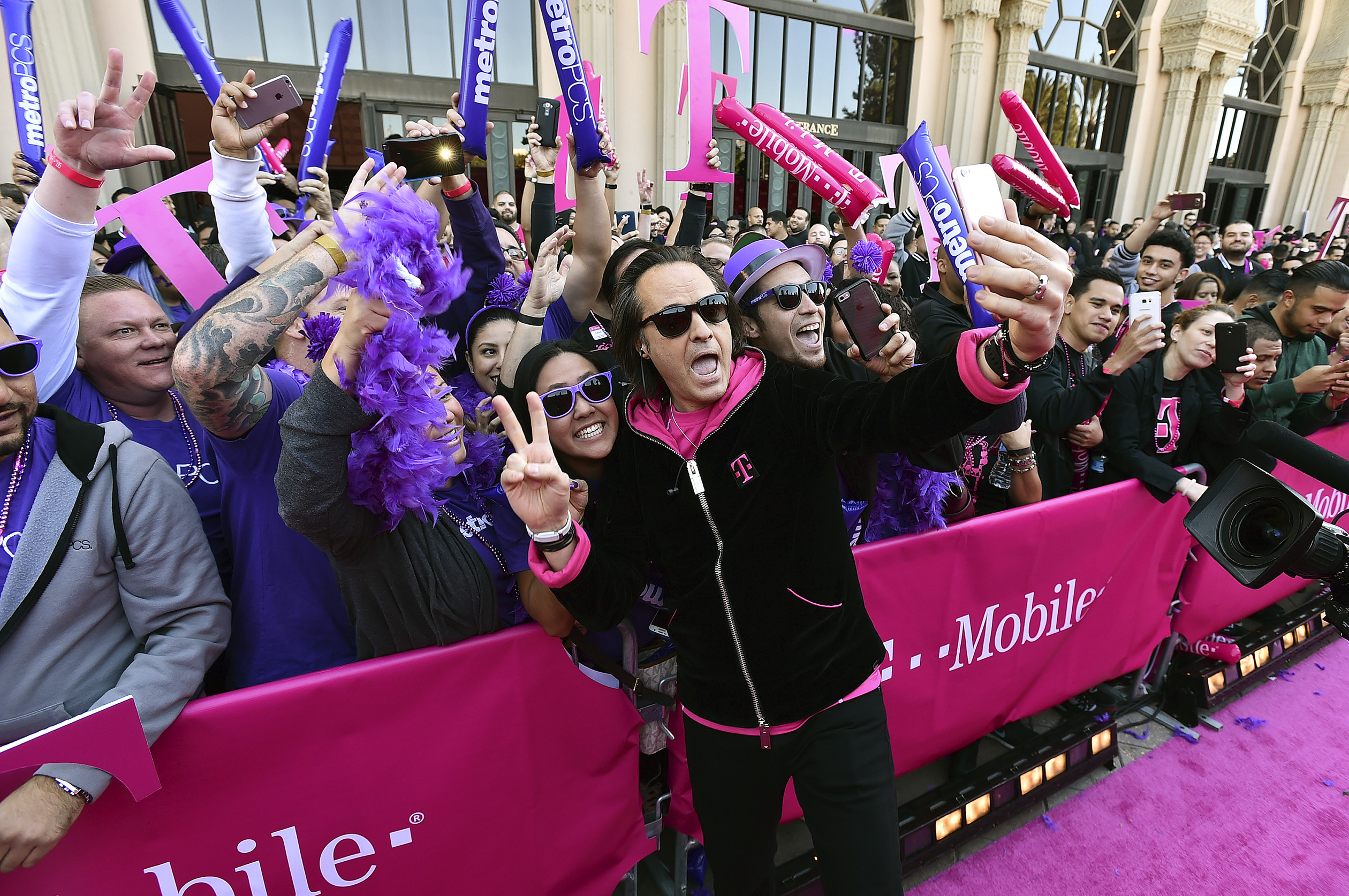 T-Mobile CEO Legere Sees Internet Companies Coming to Wireless