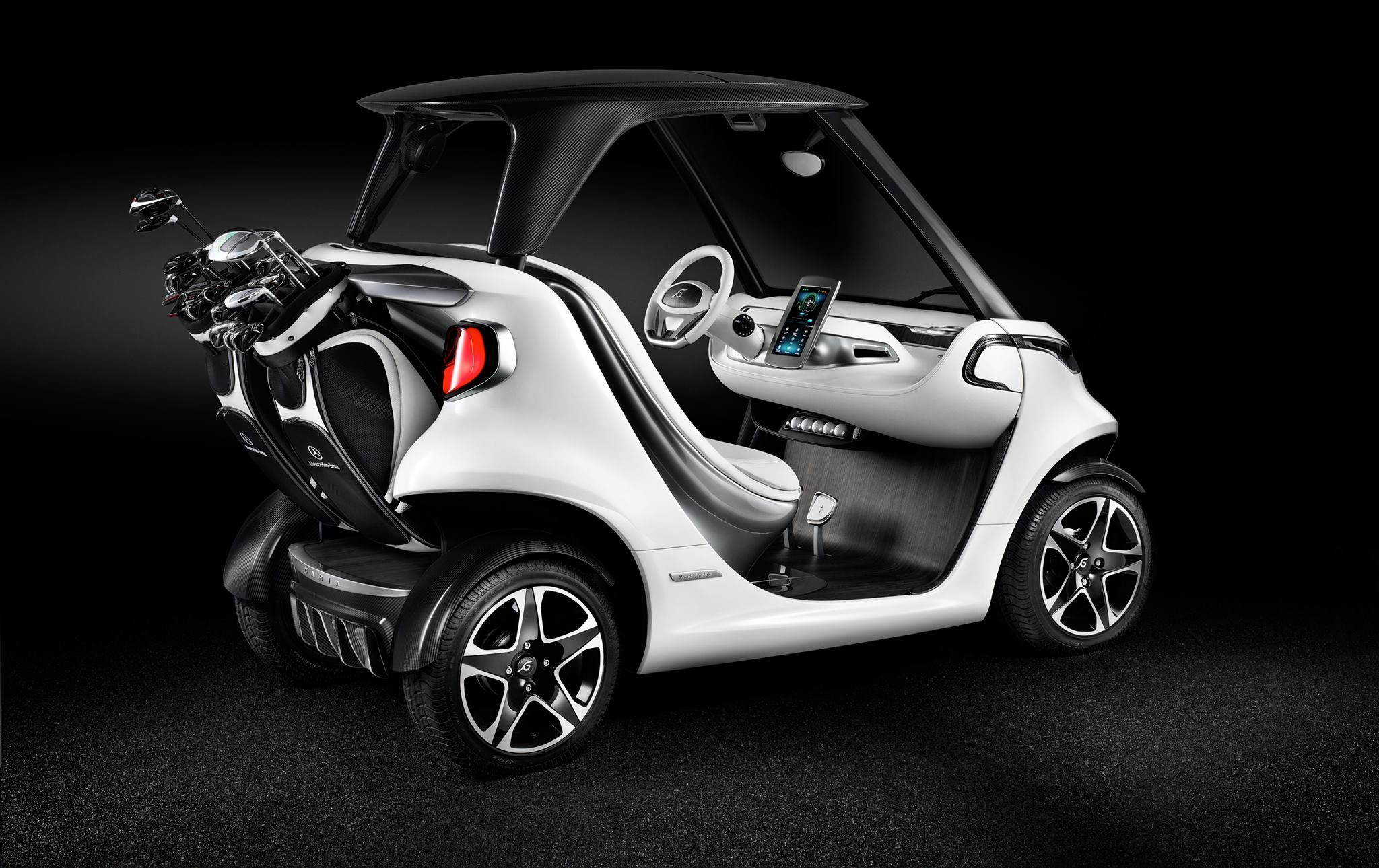 Mercedes-Benz unveiled a new luxury golf cart, the Mercedes-Benz Style Edition Garia Golf Car, at the British Open at Royal Toon.
