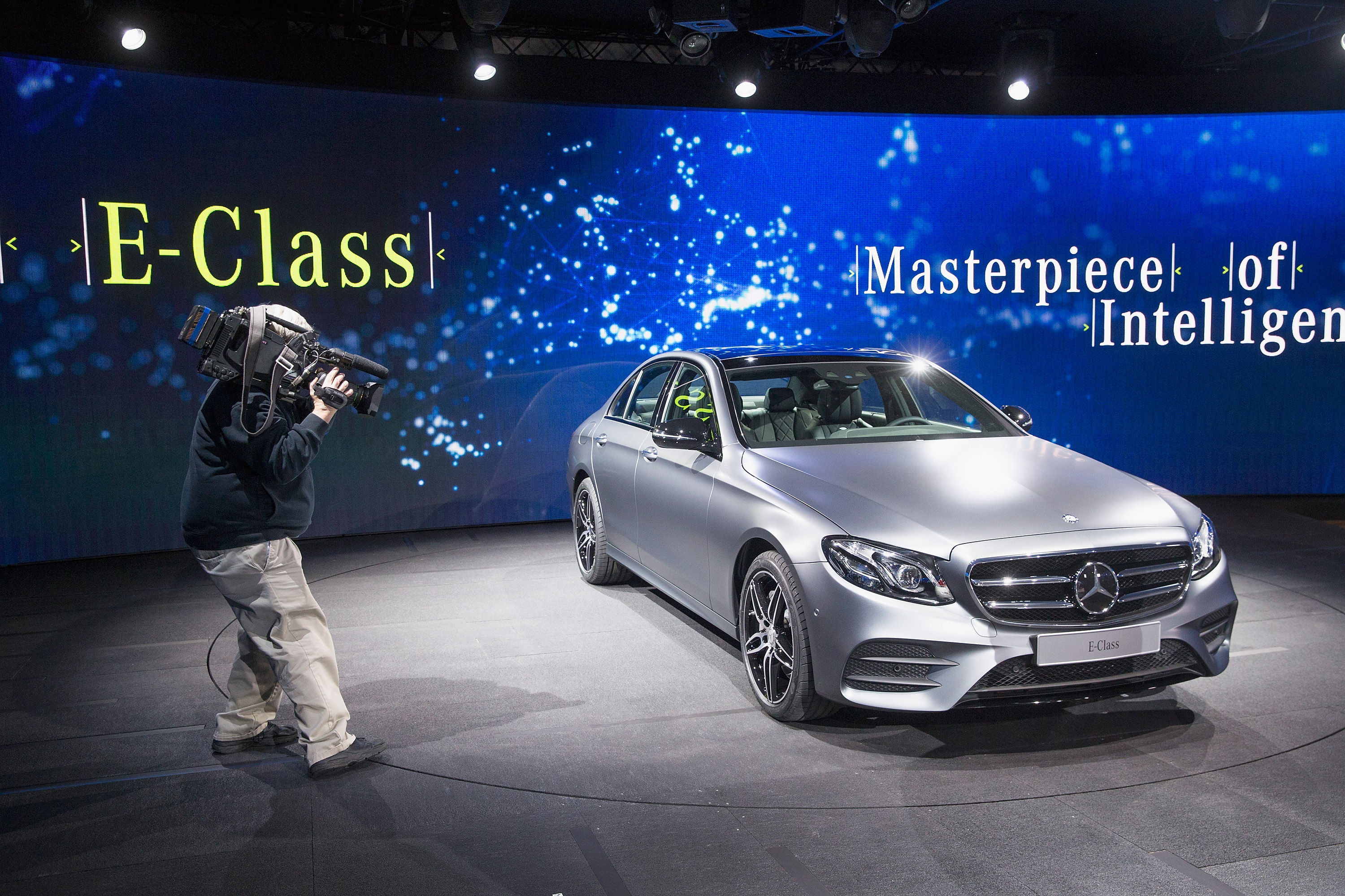 Mercedes Self Driving Cars Will Save Passengers Not