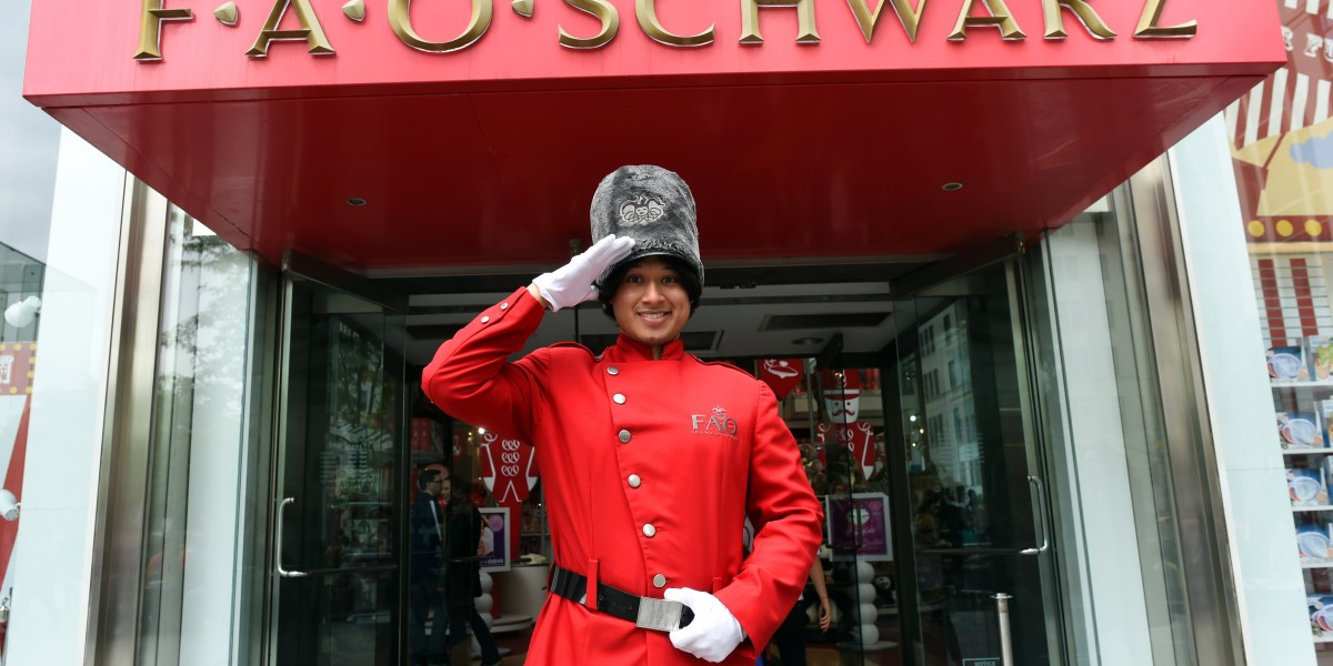 Premisa estas Popa  Under Armour Opening Flagship In New York's Iconic FAO Schwarz Space |  Fortune