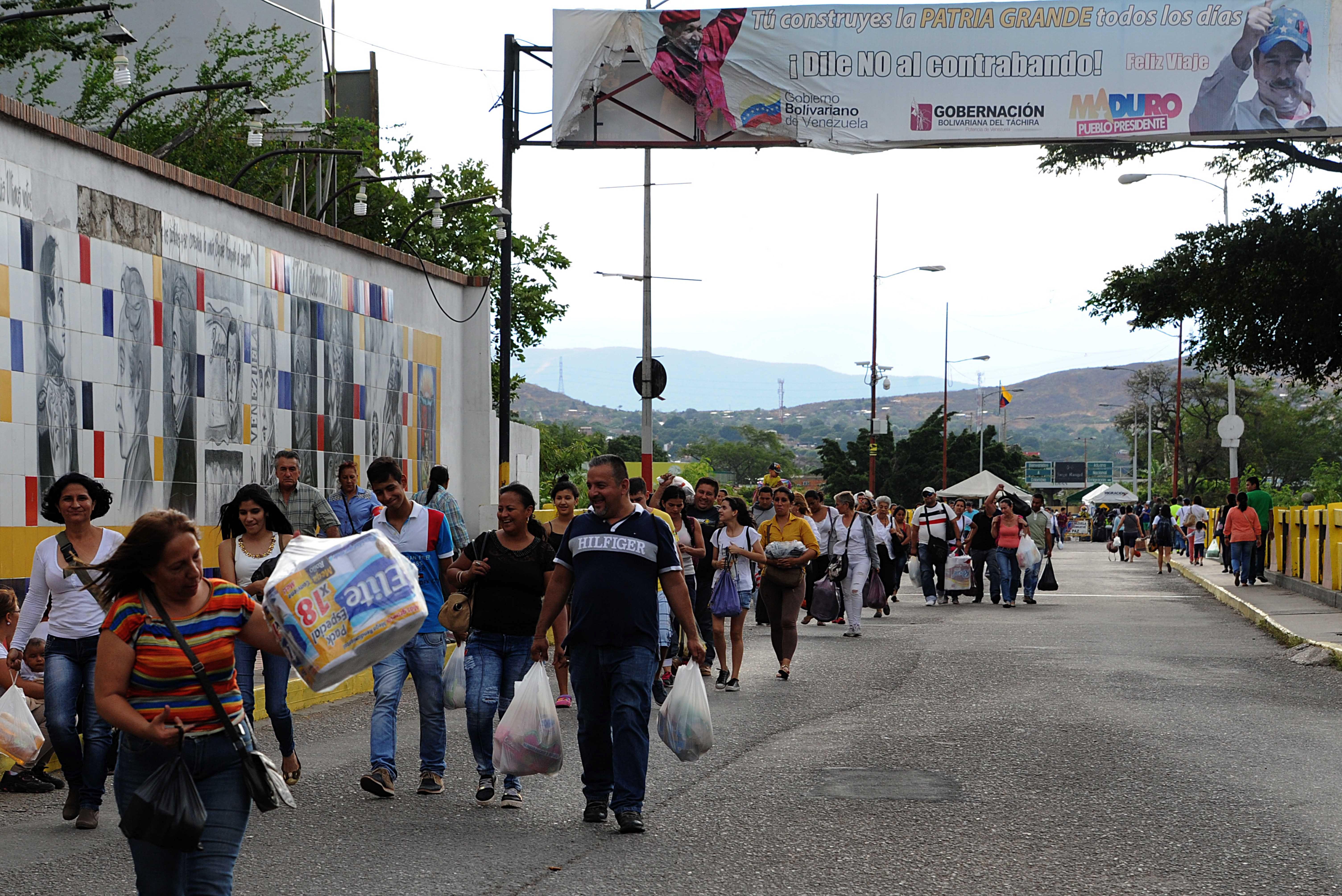 VENEZUELA-COLOMBIA-CRISIS-SHORTAGE