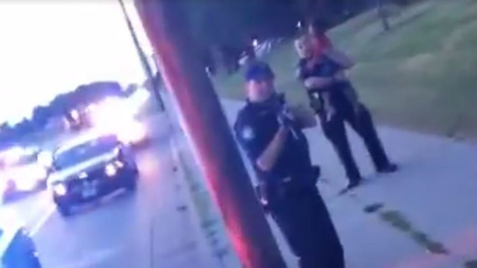 Facebook Live Streams the Death of a Black Man Shot by