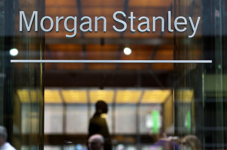 Morgan Stanley Misses Estimates as Trading Revenue Plunges