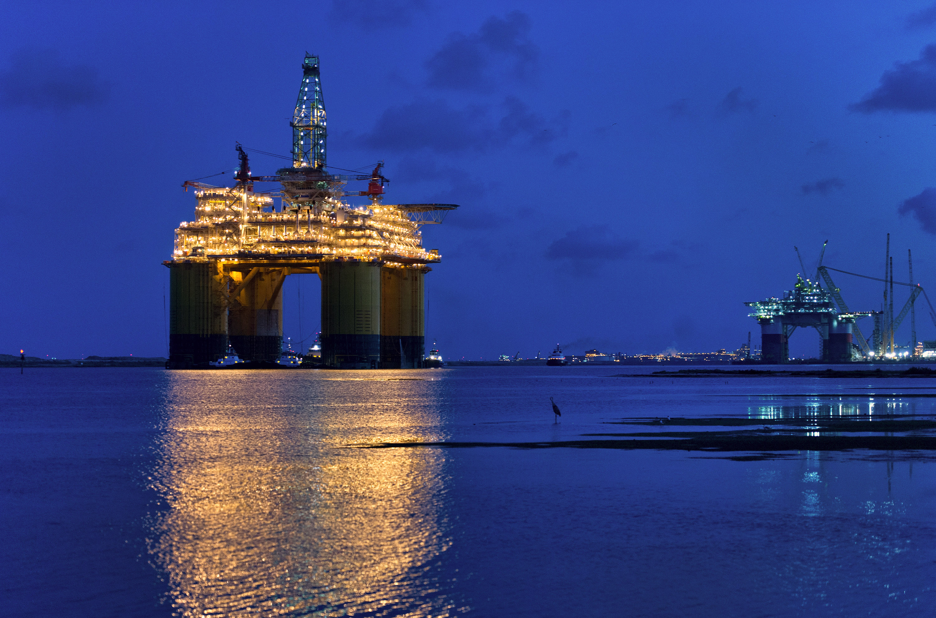 The Shell Olympus Tension Leg Platform Moves To The Gulf Of Mexico