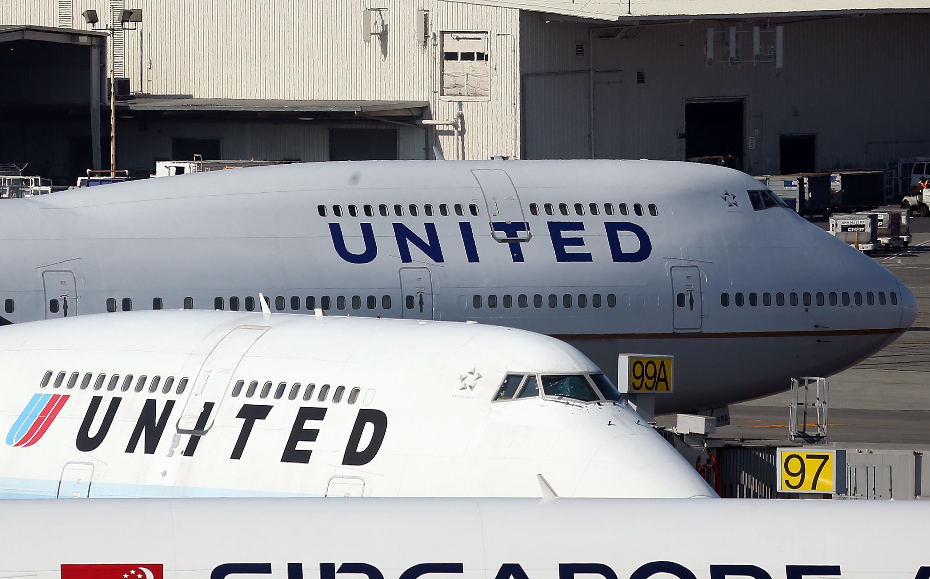 United Airlines Reports Quarterly Profit Of 140 Million