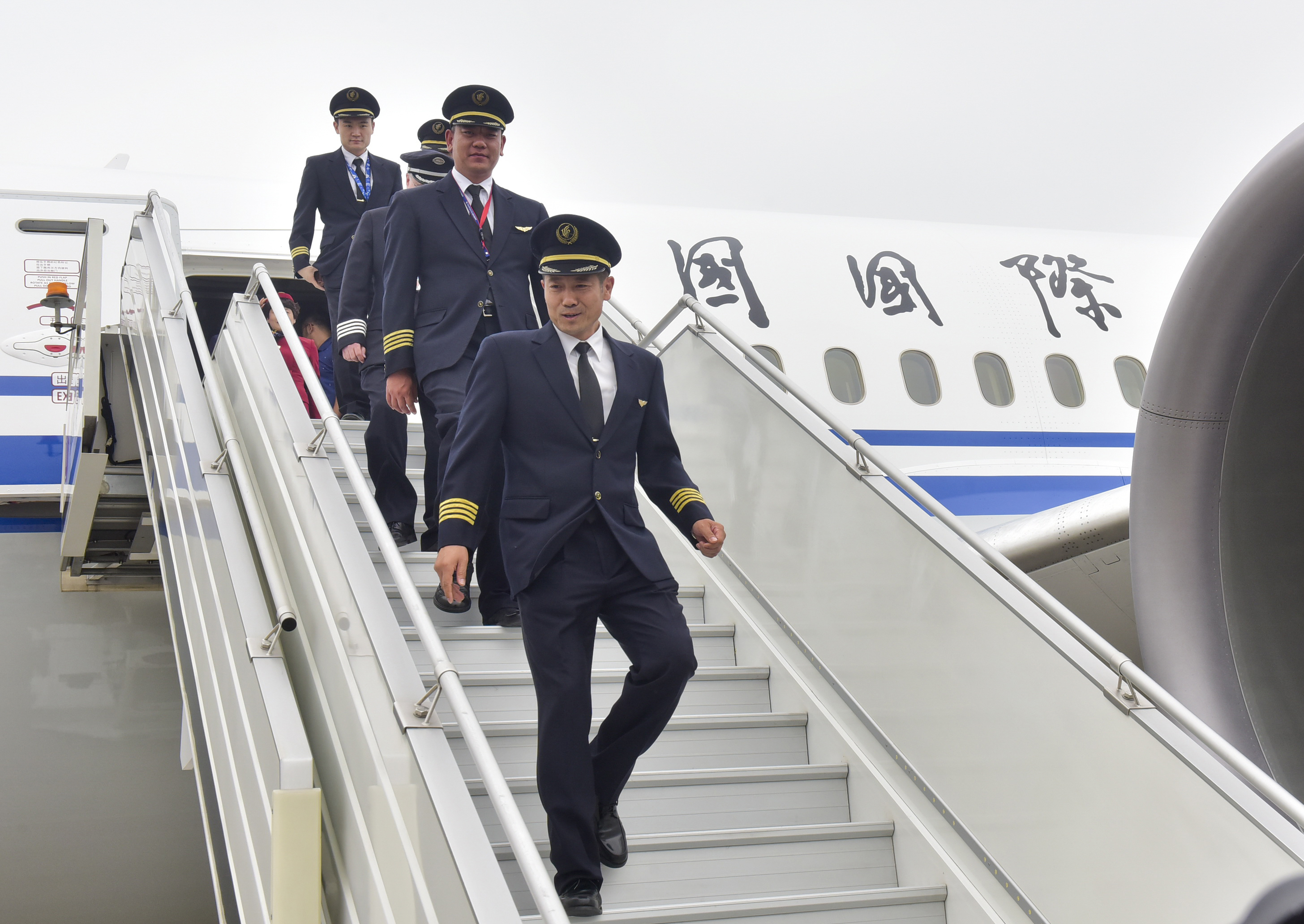 China's First Boeing 787-9 Aircraft Makes Its First Flight To Chengdu