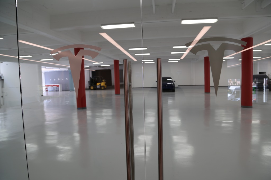More servicing space at Tesla's San Francisco store.