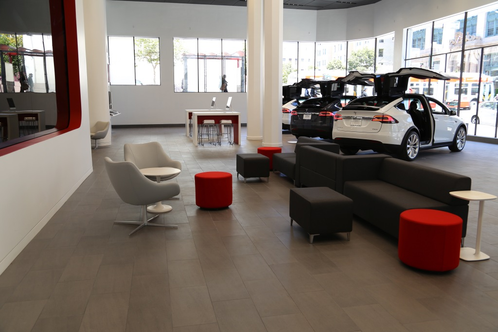 The first floor and sales and display area of Tesla's new San Francisco store.