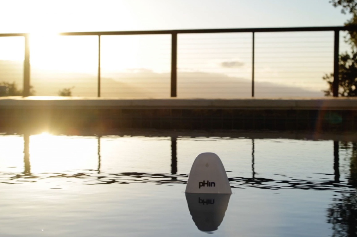 The pHin pool management system