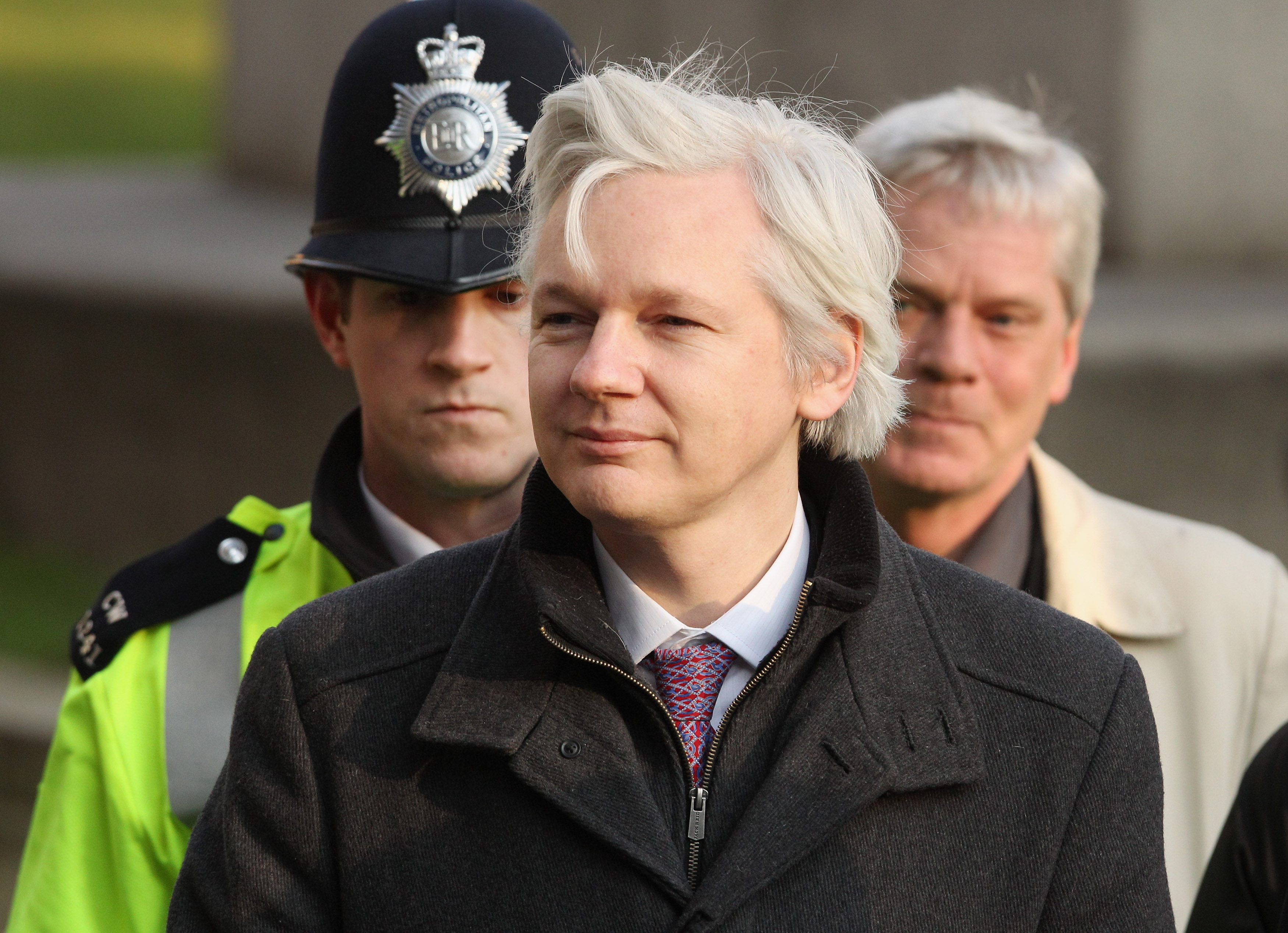 WikiLeaks founder Julian Assange will only turn himself in if Chelsea Manning gets clemency.