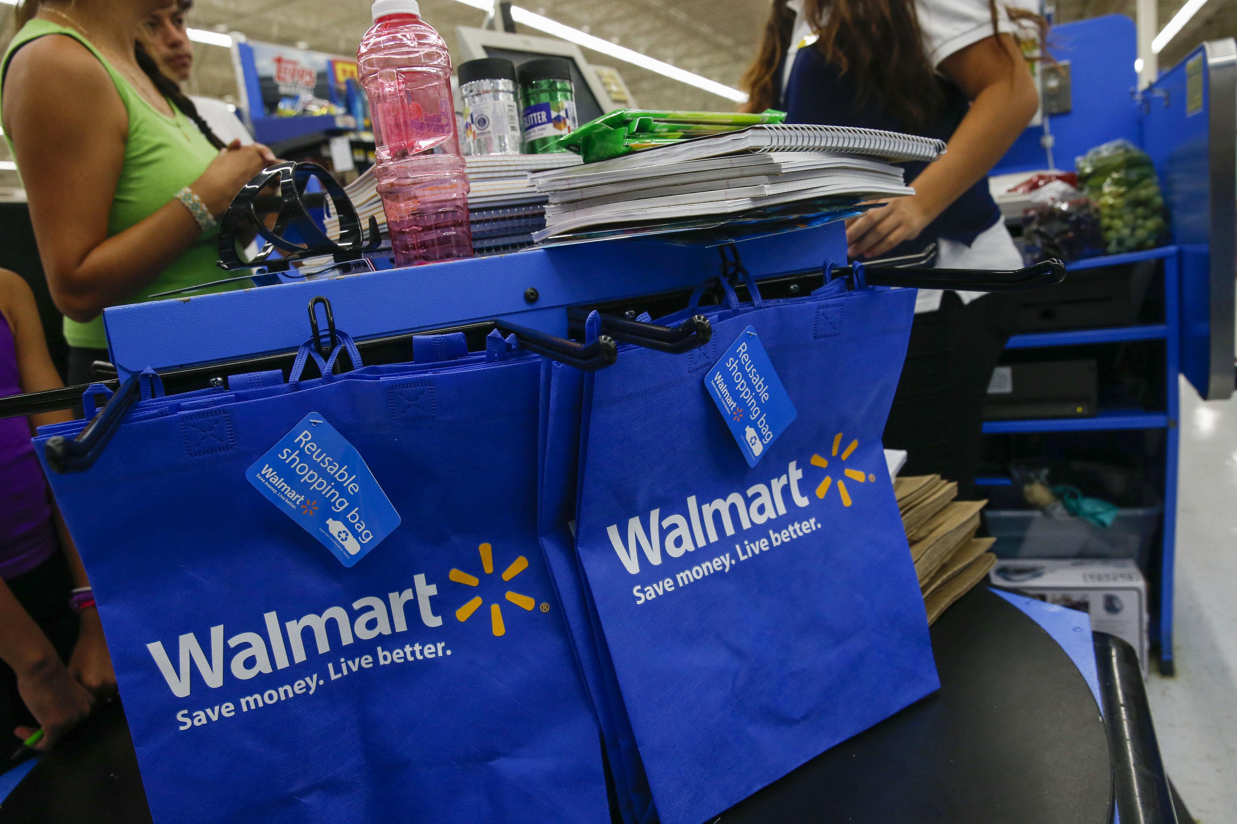 J P  Morgan Sets Up Chase Pay Digital Wallet at Walmart