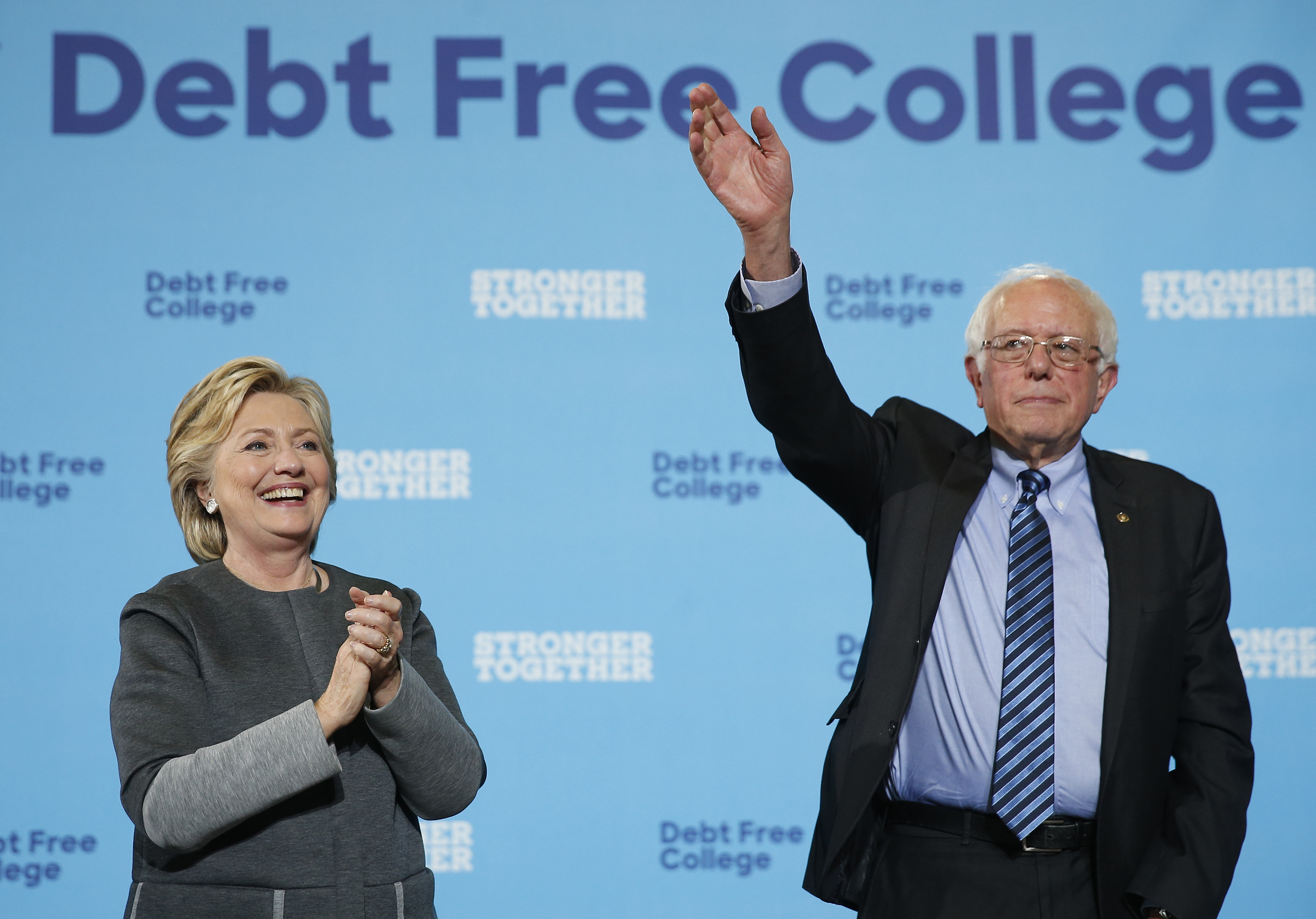 Hillary Clinton And Bernie Sanders In New Hampshire