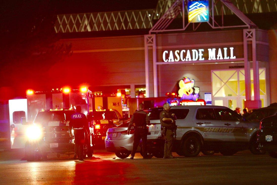 APTOPIX Mall Shooting Burlington