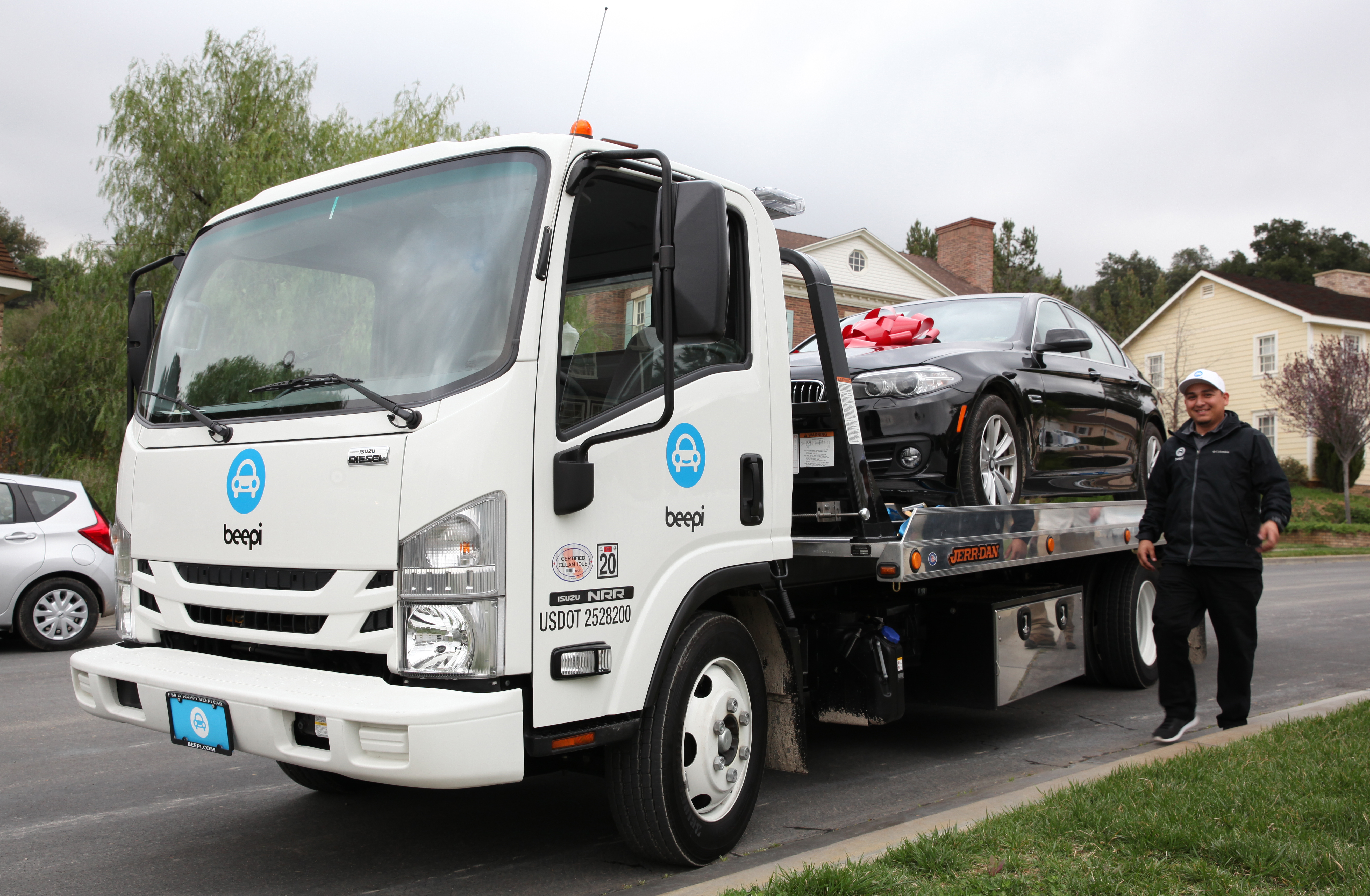 Beepi, an online used-car startup, is shutting down and merging with a new venture.