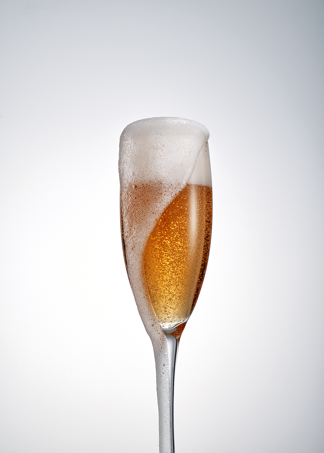 The Piper-Heidsieck Rare Rosé Vintage 2007 is a blend of Chardonnay and Pinot Noir grapes.