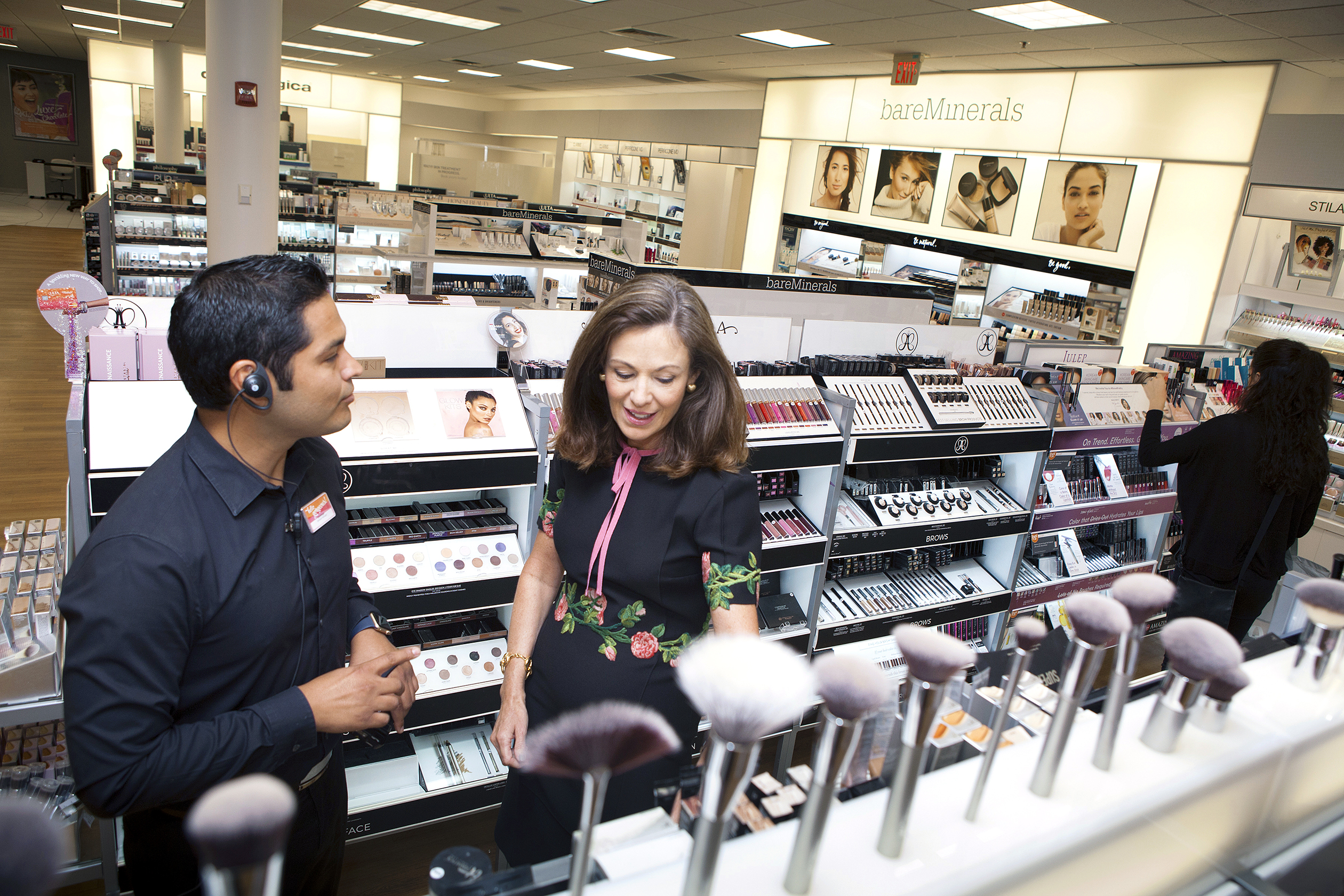 Ulta Beauty CEO Mary Dillon checking inventory with manager Domingo Gonzalez III at an Ulta store in Naperville, Ill., in August 2016.