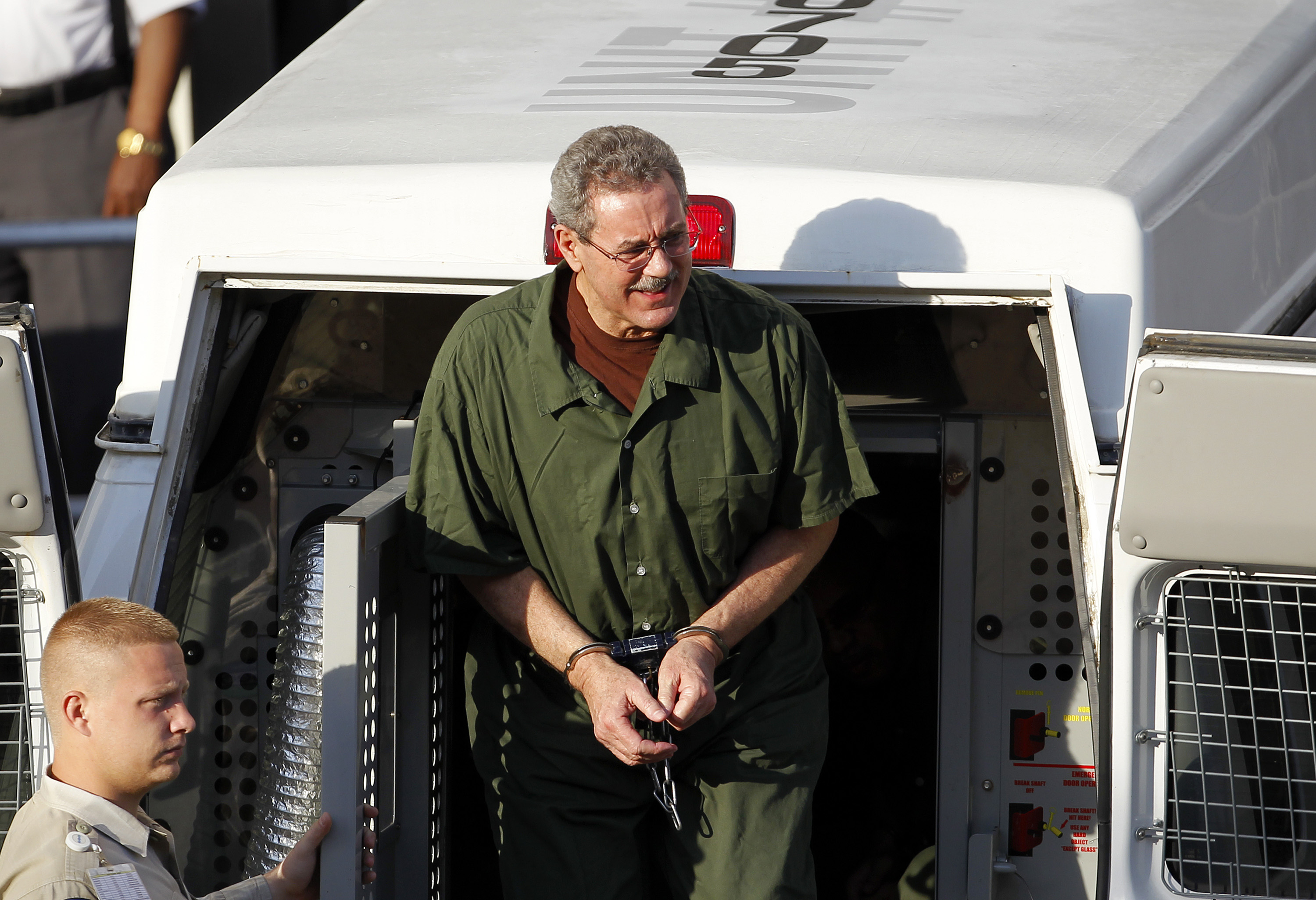 Allen Stanford Faces Possible Life Sentence for $7 Billion Fraud