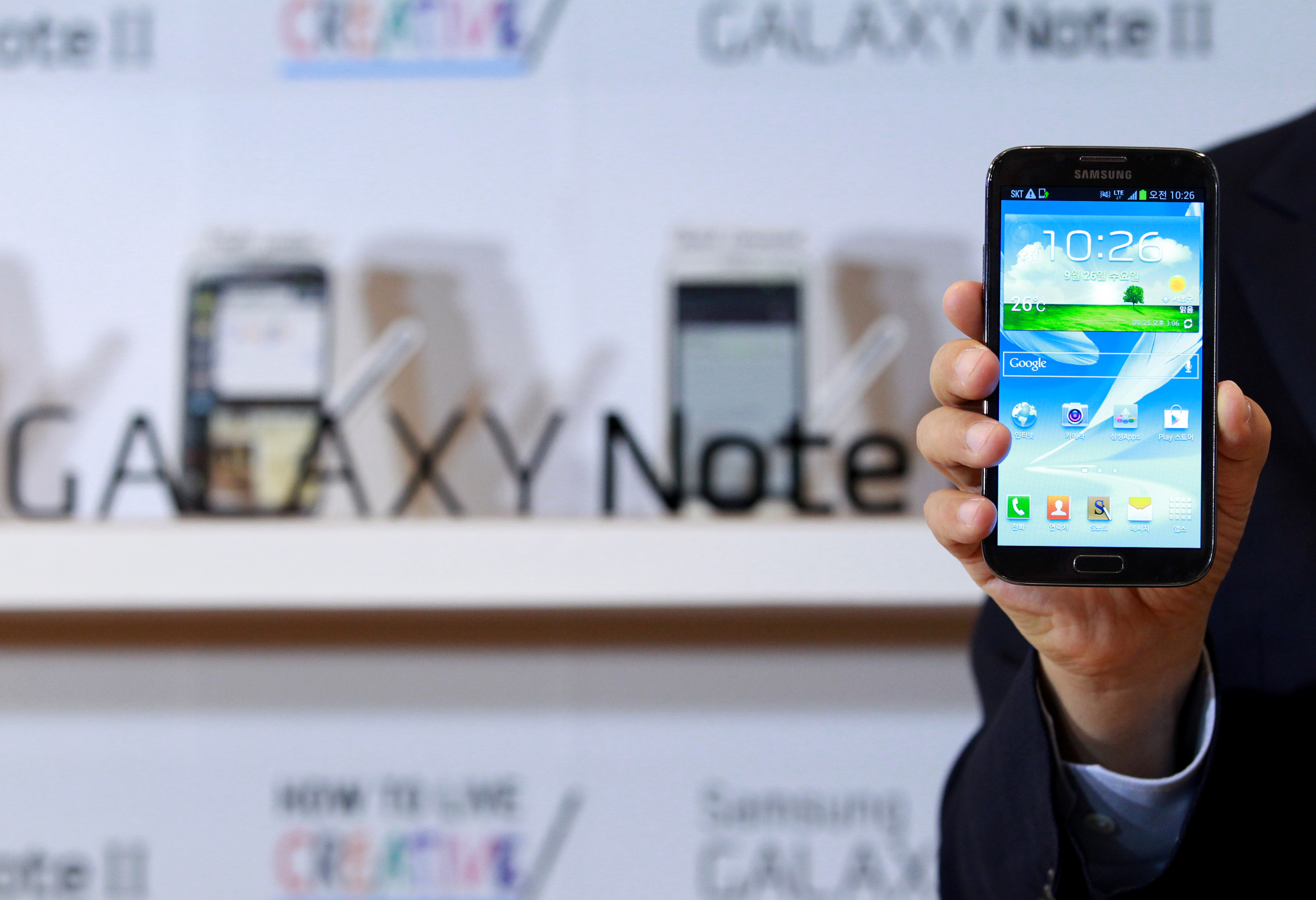 A passenger's Samsung Galaxy Note II almost caught on fire during a recent flight to Chennai.