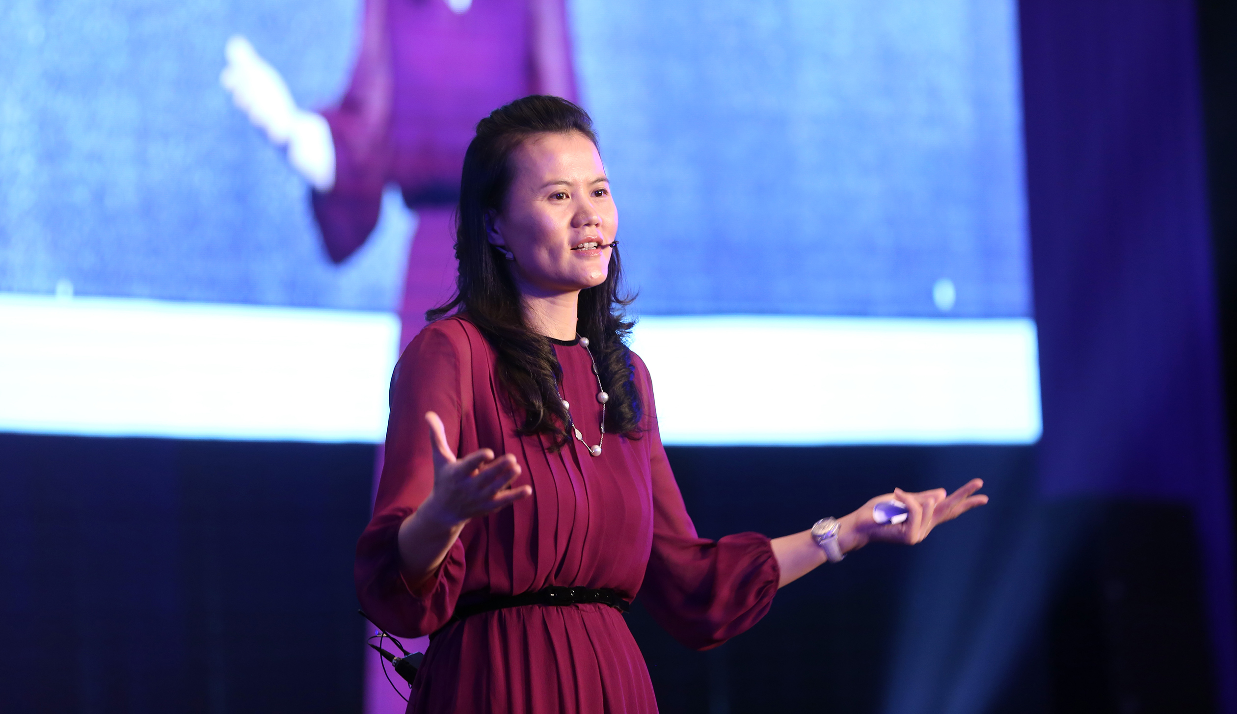 "Alibaba taps ""she power"" in entrepreneurship"