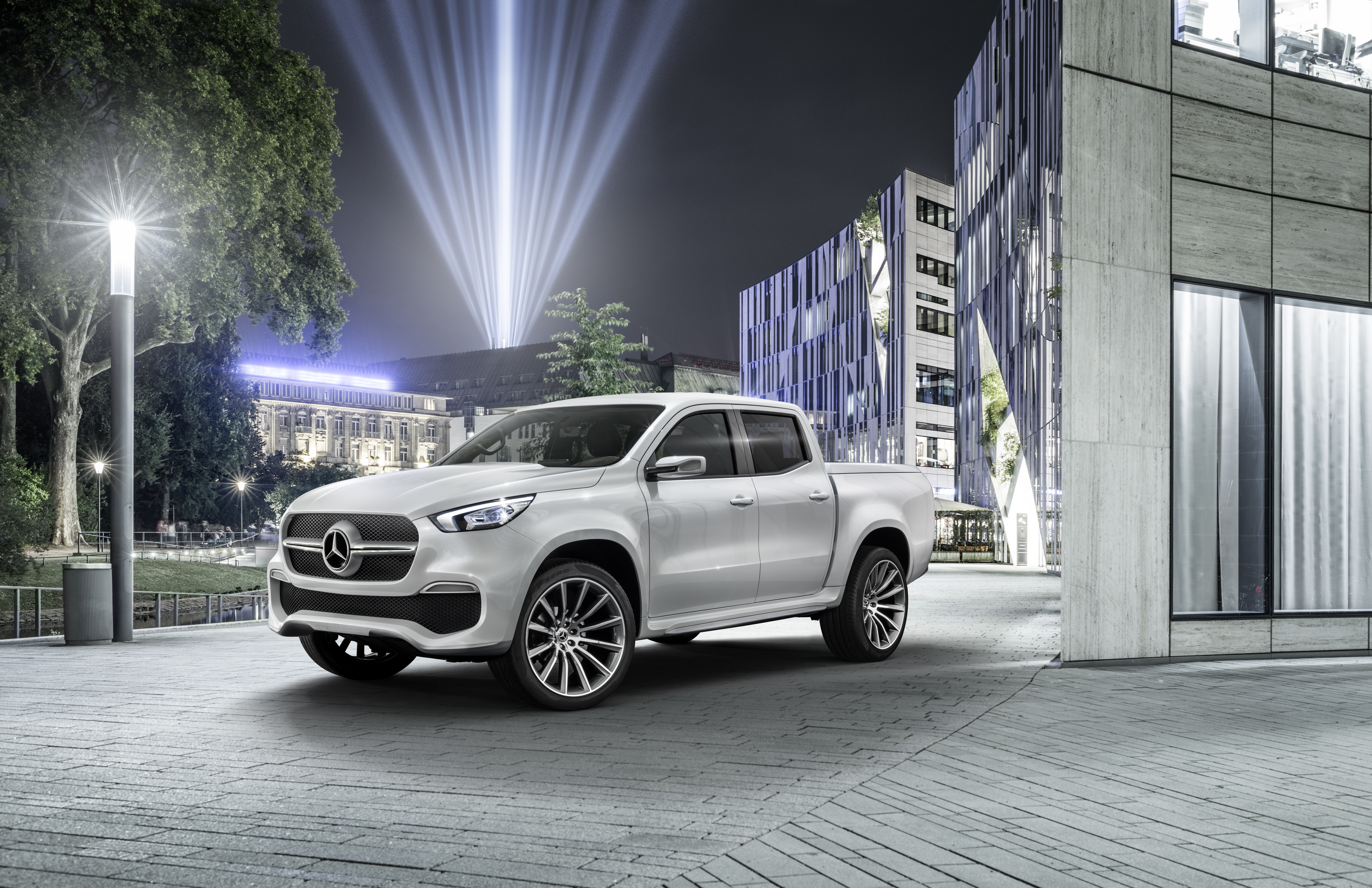 Mercedes-Benz Announces 2017 X-Class Pickup Truck | Fortune