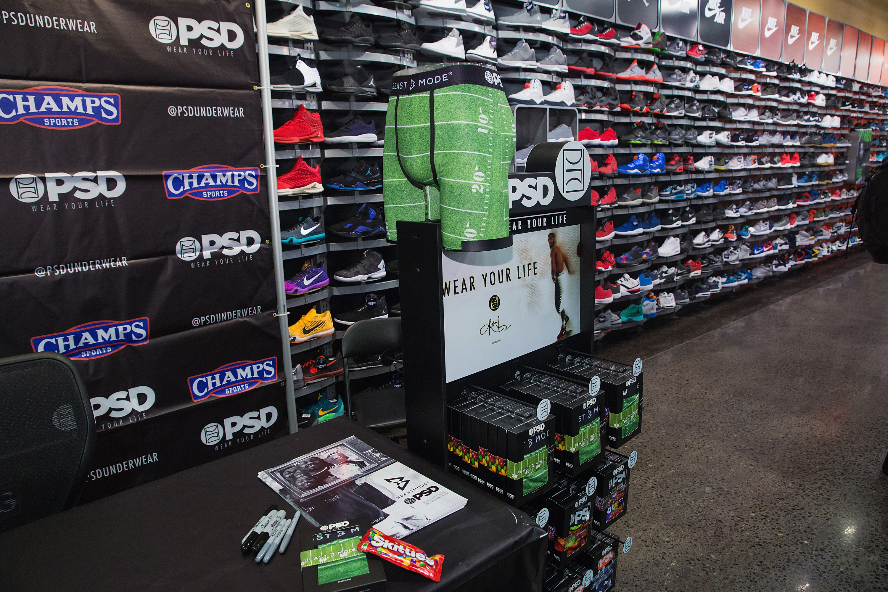 BeastMode X PSD Instore Signing