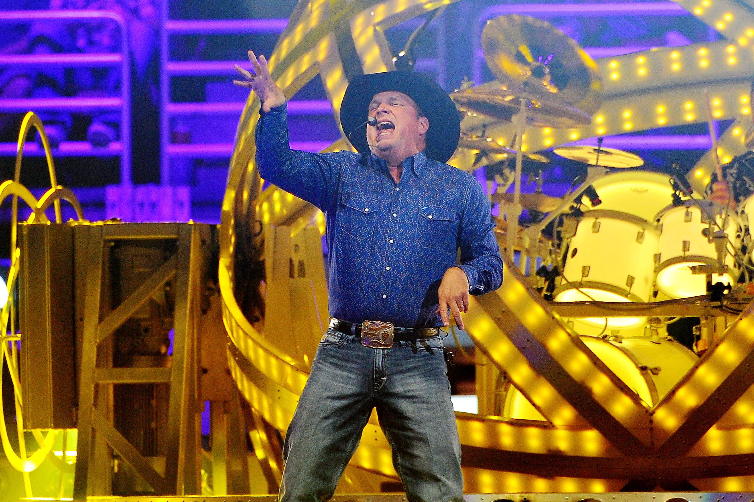 Garth Brooks And Trisha Yearwood Perform At The Honda Center