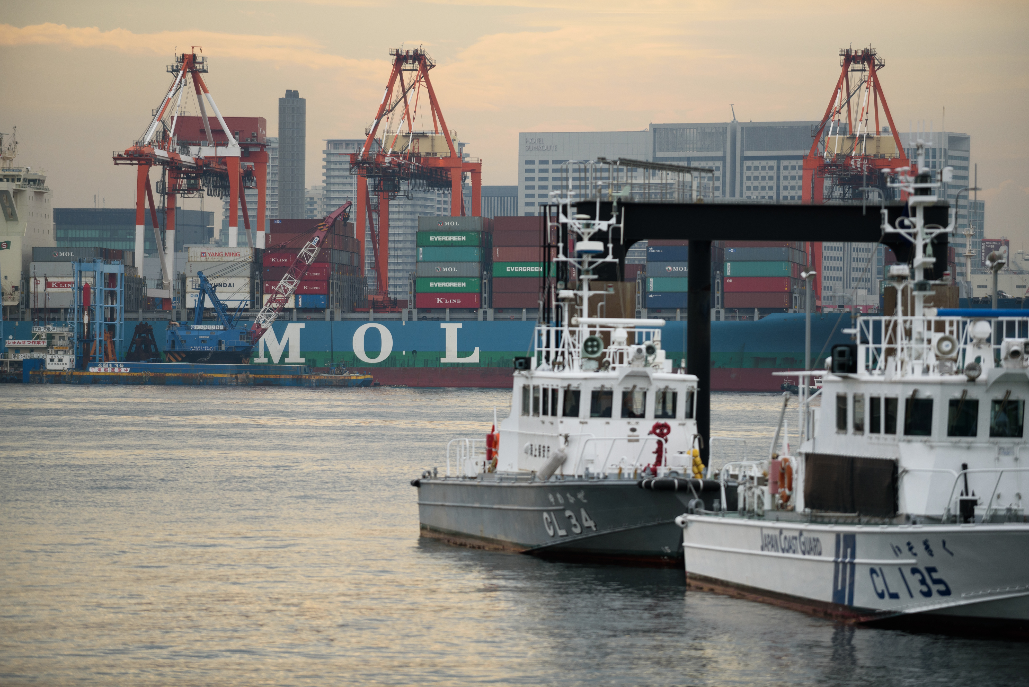Nippon Yusen KK and Mitsui O.S.K. Container Ships As Three Shippers to Merge Container Business