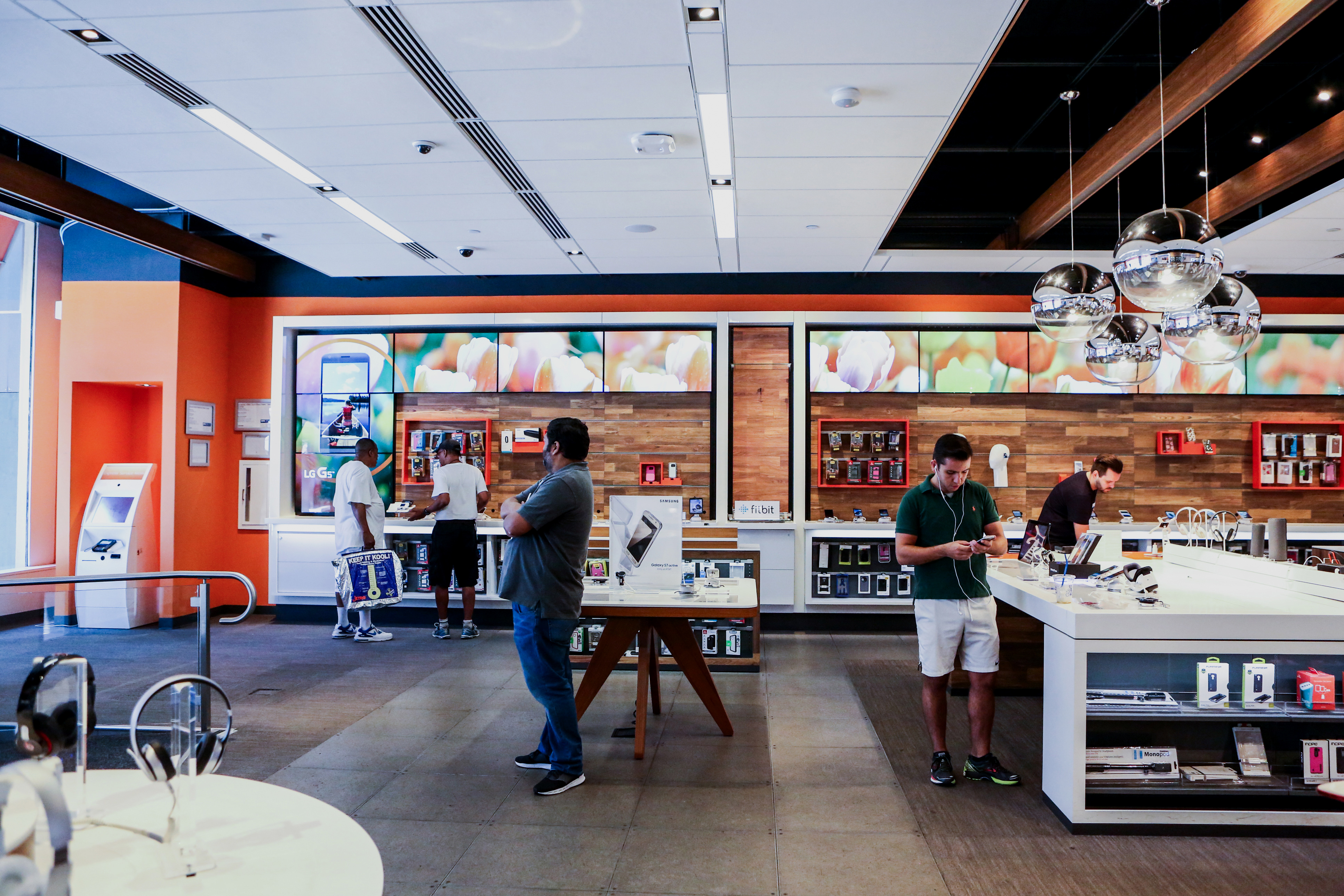 Inside An AT&T Inc. Store As Company Meets Estimates On Mobile Subscriber Gains