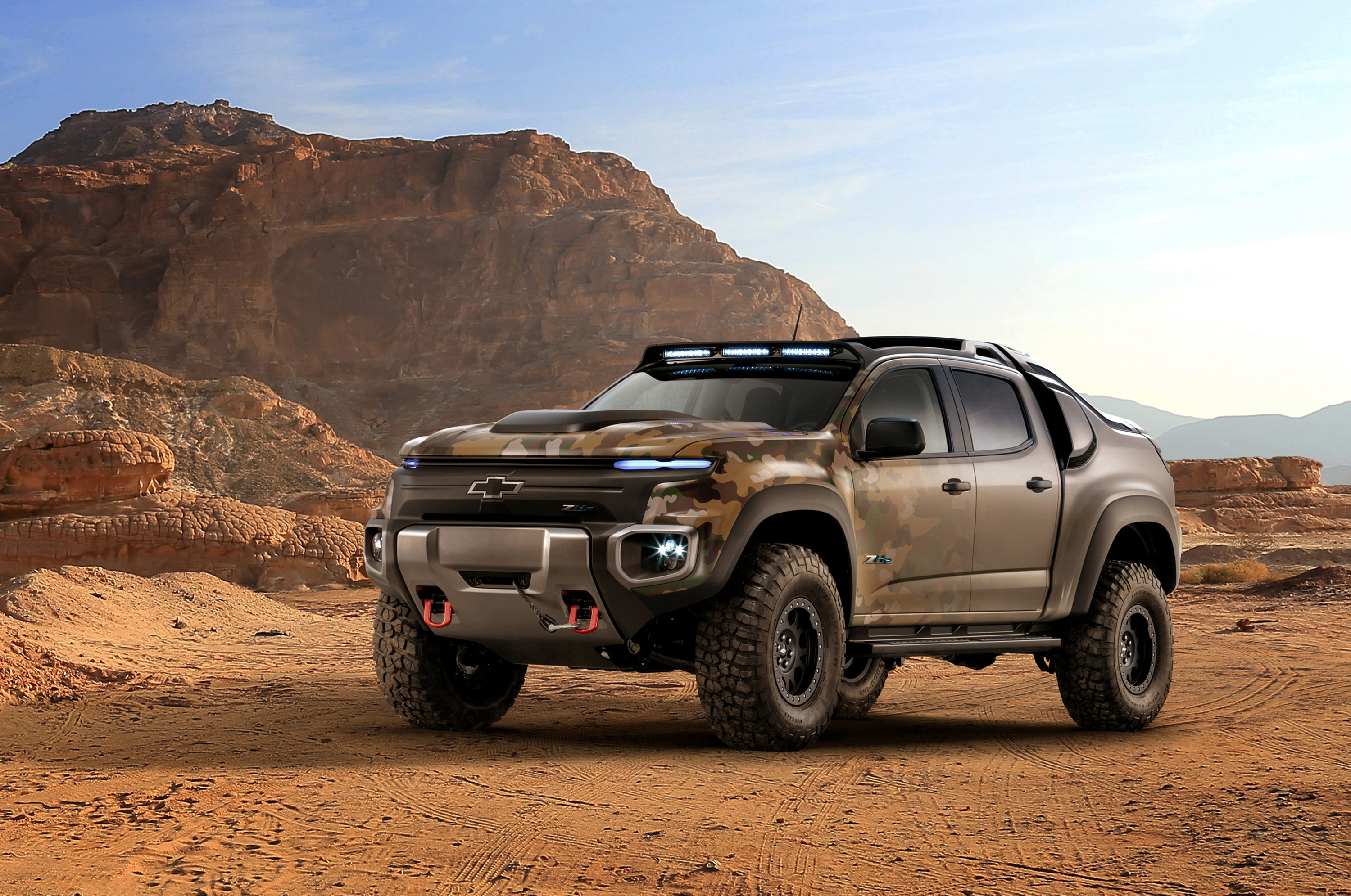 General Motors and the U.S. Army Tank Automotive Research, Development and Engineering Center (TARDEC) revealed the Chevrolet Colorado ZH2 fuel cell electric vehicle.