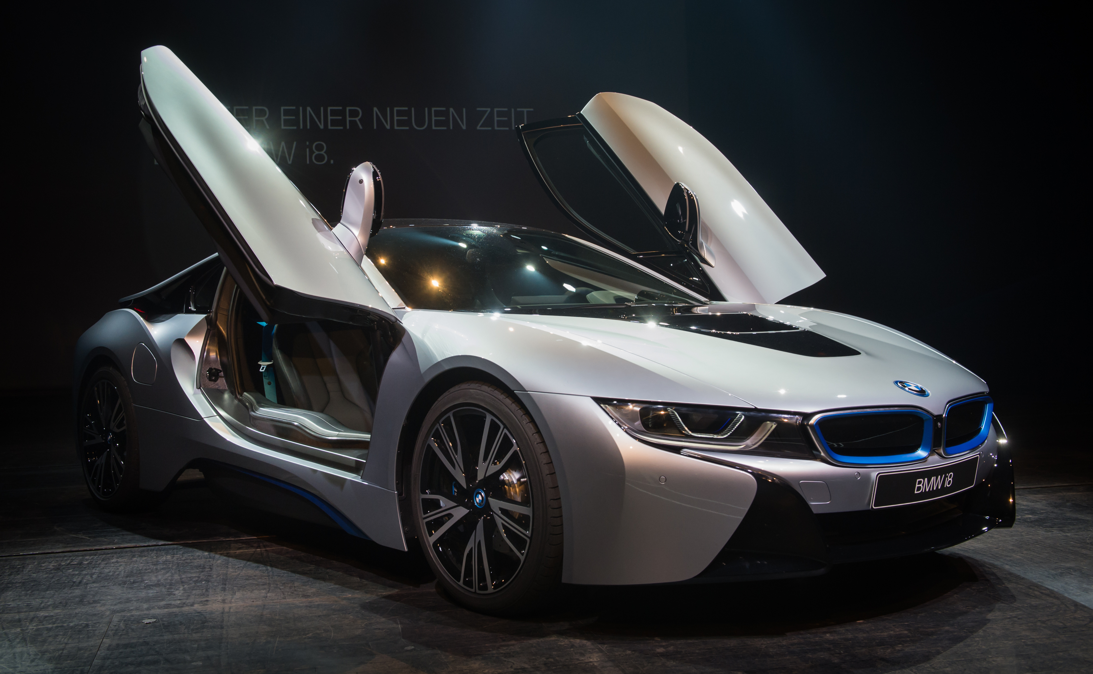 Bmw Eyes 100 000 Electric Car Sales In 2017 Fortune