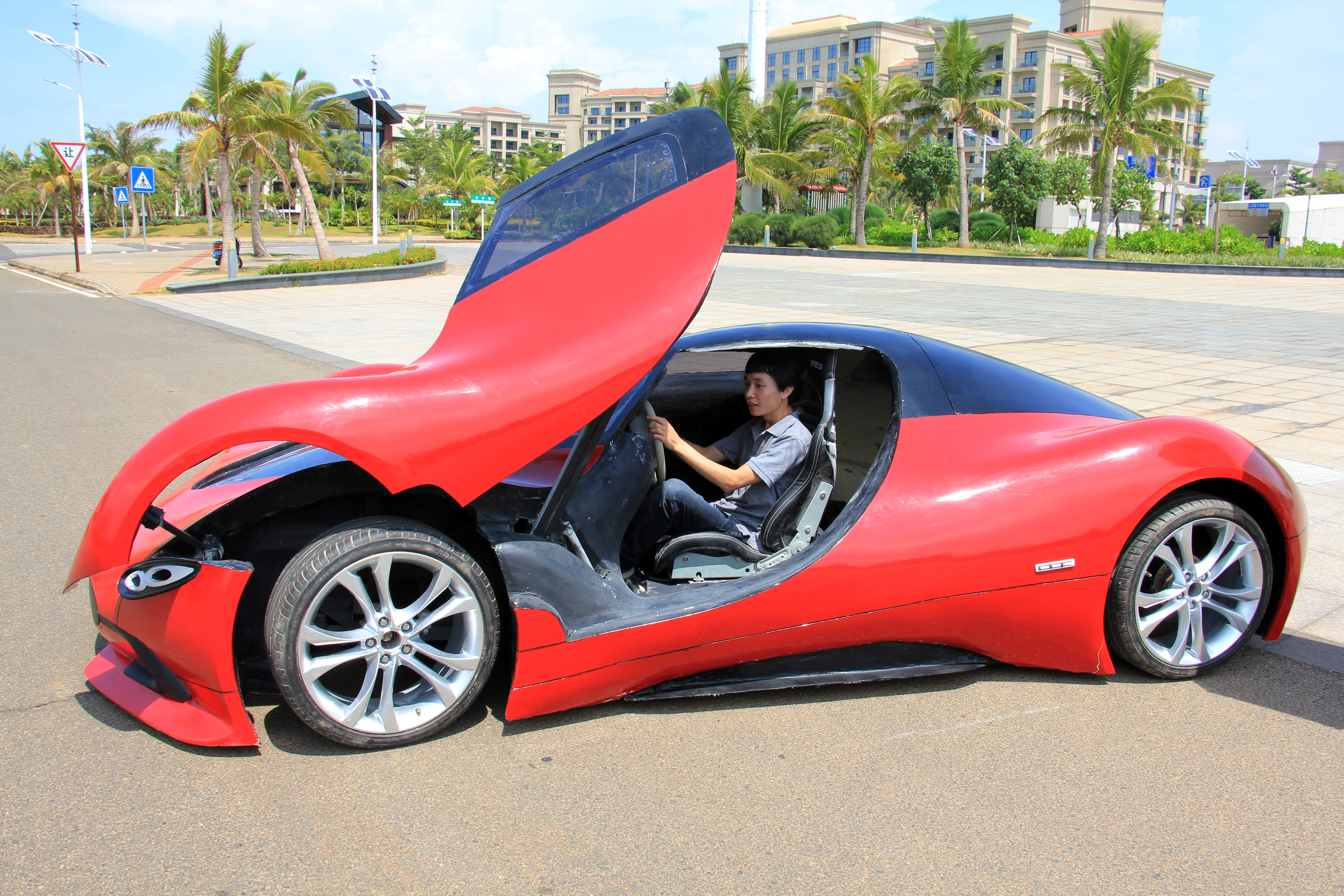 Self-made SportsCar Within Over 30,000 RMB In Haikou